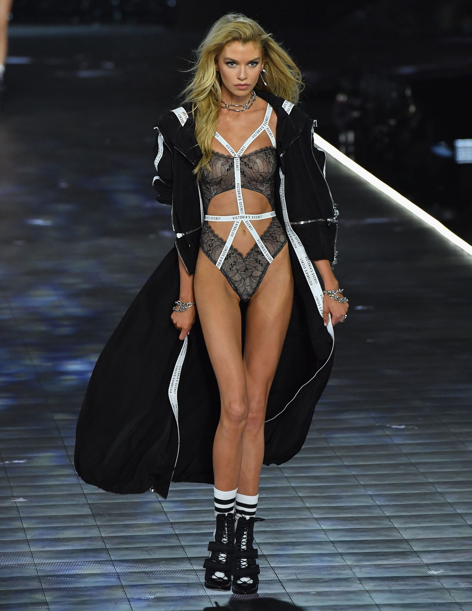 Stella Maxwell on the catwalk