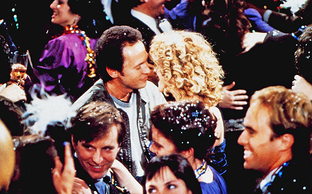 GALLERY: Holiday Rom-Coms: WHEN HARRY MET SALLY..., (aka QUAND HARRY RENCONTRE SALLY...), nose to nose from left: Billy Crystal, Meg Ryan, 1989, © Columbia/courtesy