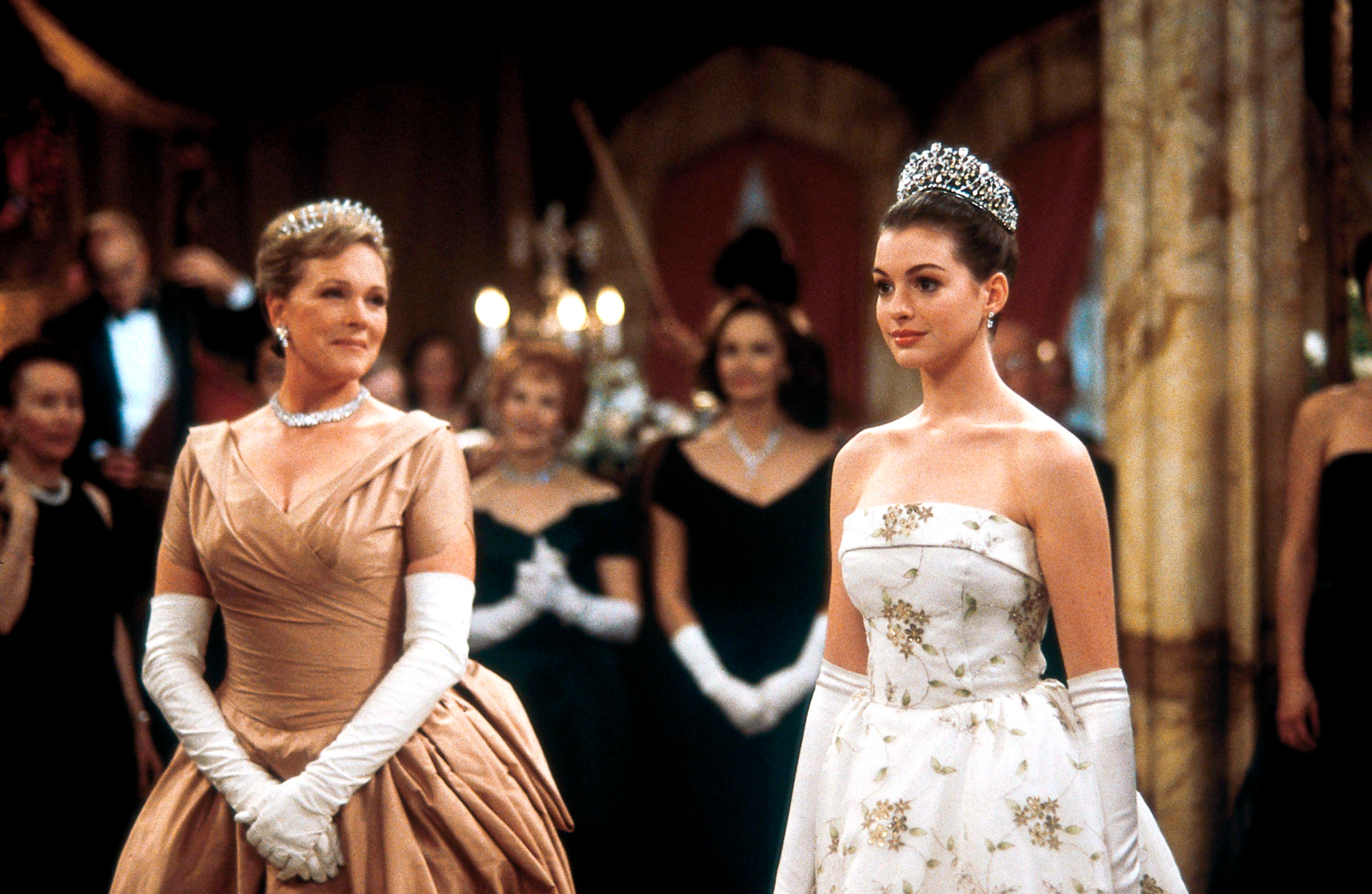 Original Film Title: THE PRINCESS DIARIES.  English Title: THE PRINCESS DIARIES.  Film Director: GARRY MARSHALL.  Year: 2001.  Stars: JULIE ANDREWS; ANNE HATHAWAY. Credit: WALT DISNEY PRODUCTIONS / Album