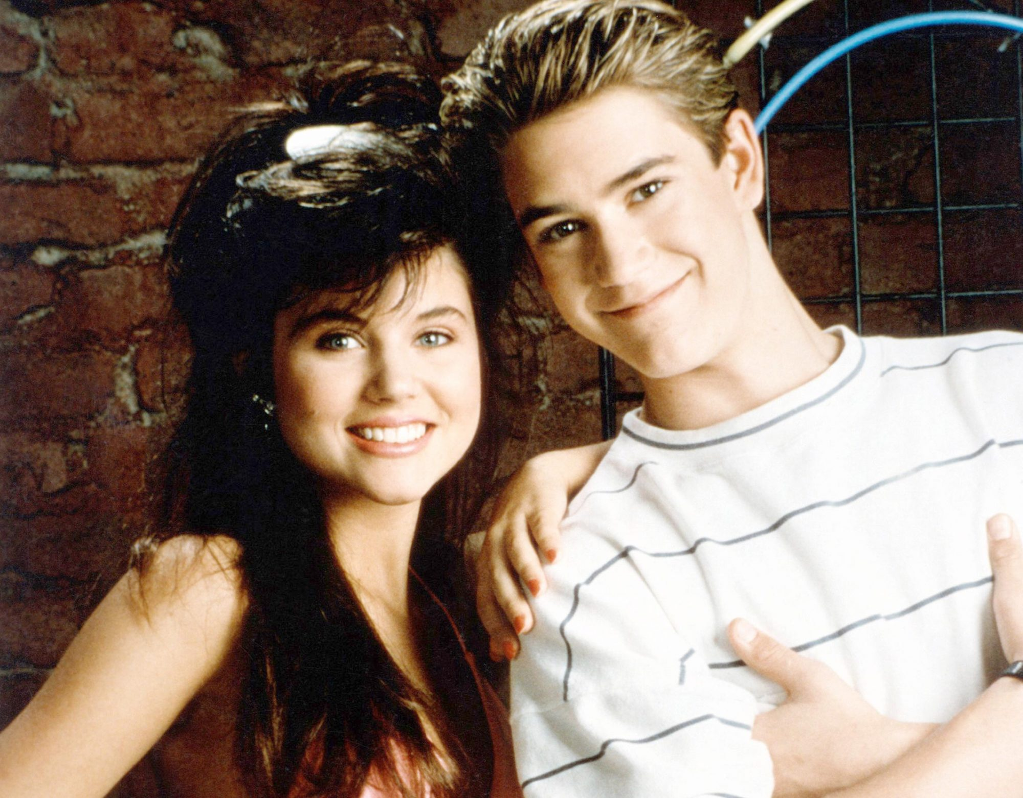 SAVED BY THE BELL, (from left): Tiffani-Amber Thiessen, Mark-Paul Gosselaar, 1989-93. © NBC / Courte