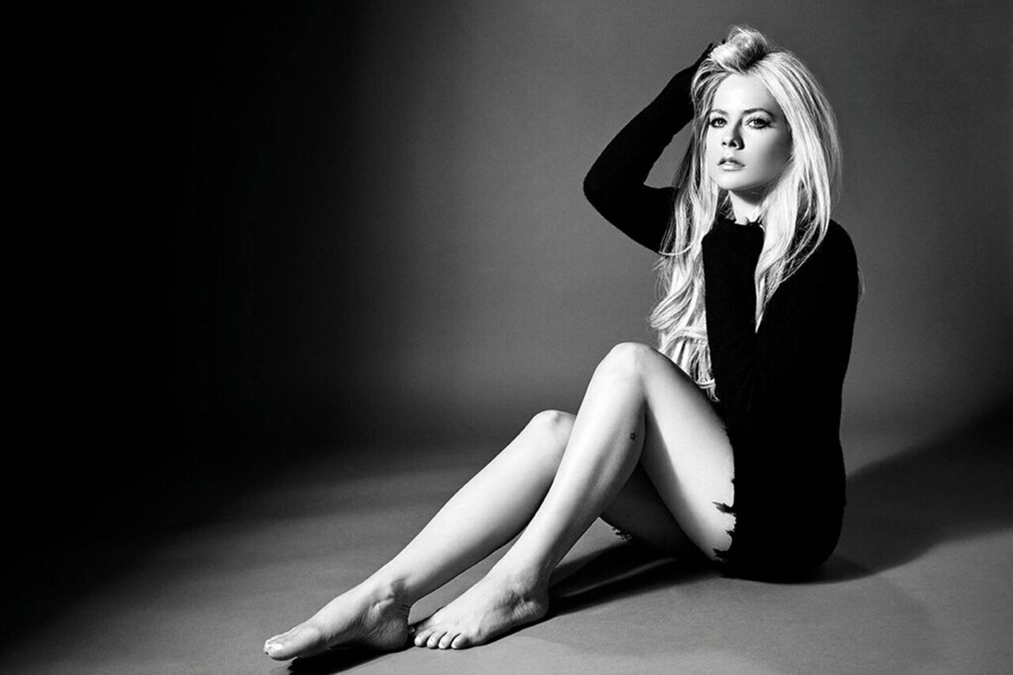Avril Lavigne on Head Above Water album, Avril is Dead conspiracy ...