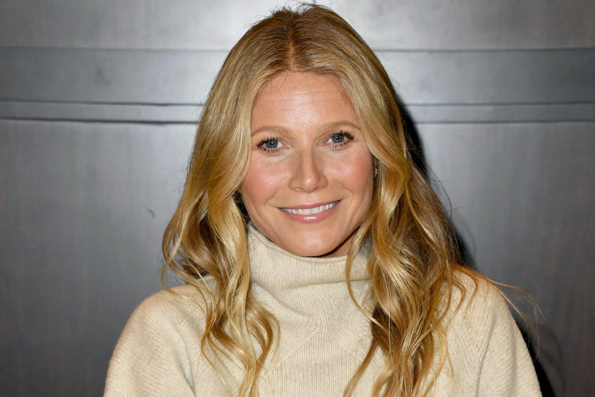 "Gwyneth Paltrow Signs Copies Of Her New Book ""The Clean Plate"""