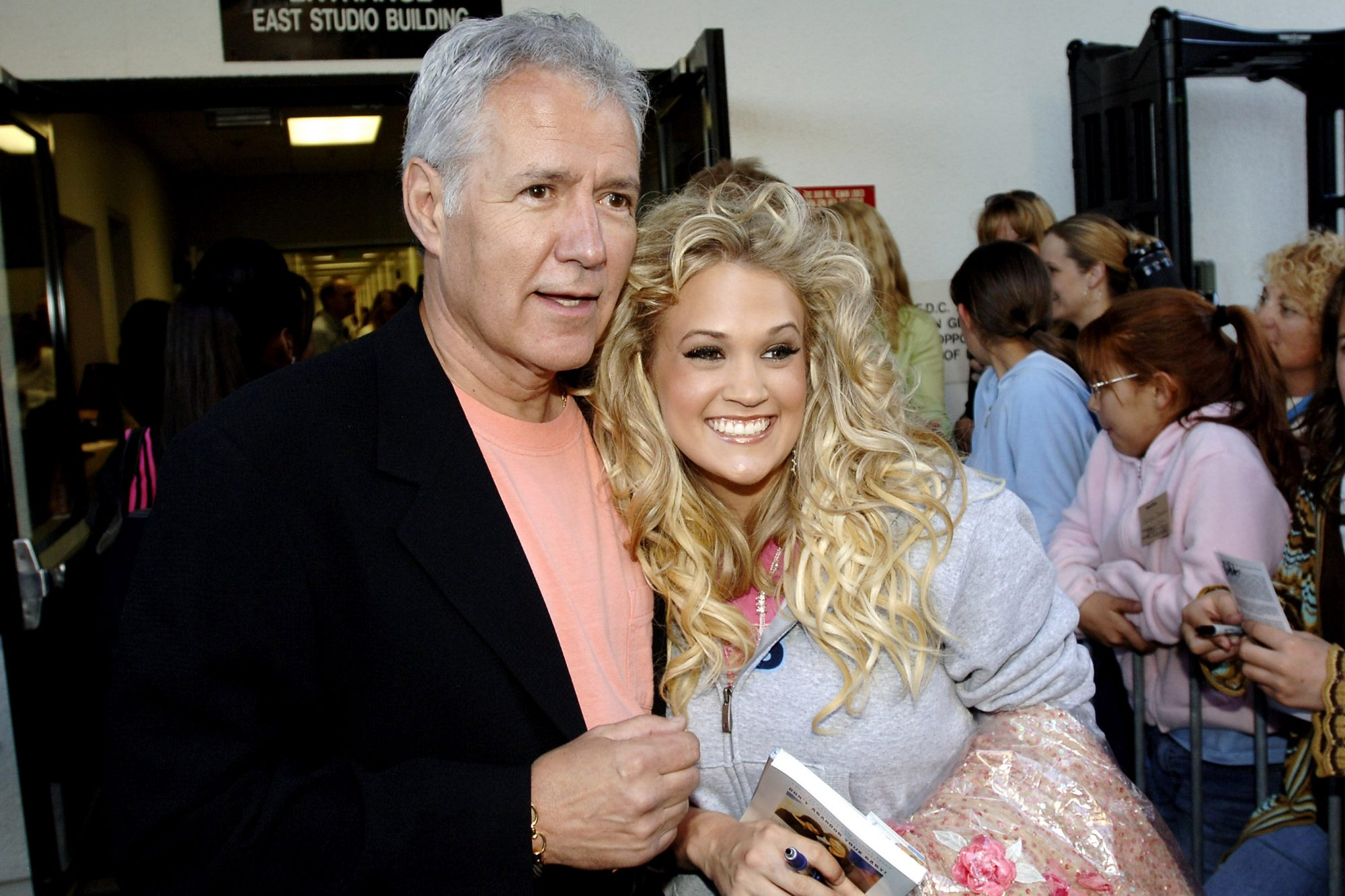 """American Idol"" Season 4 - Performance Show - April 19, 2005"