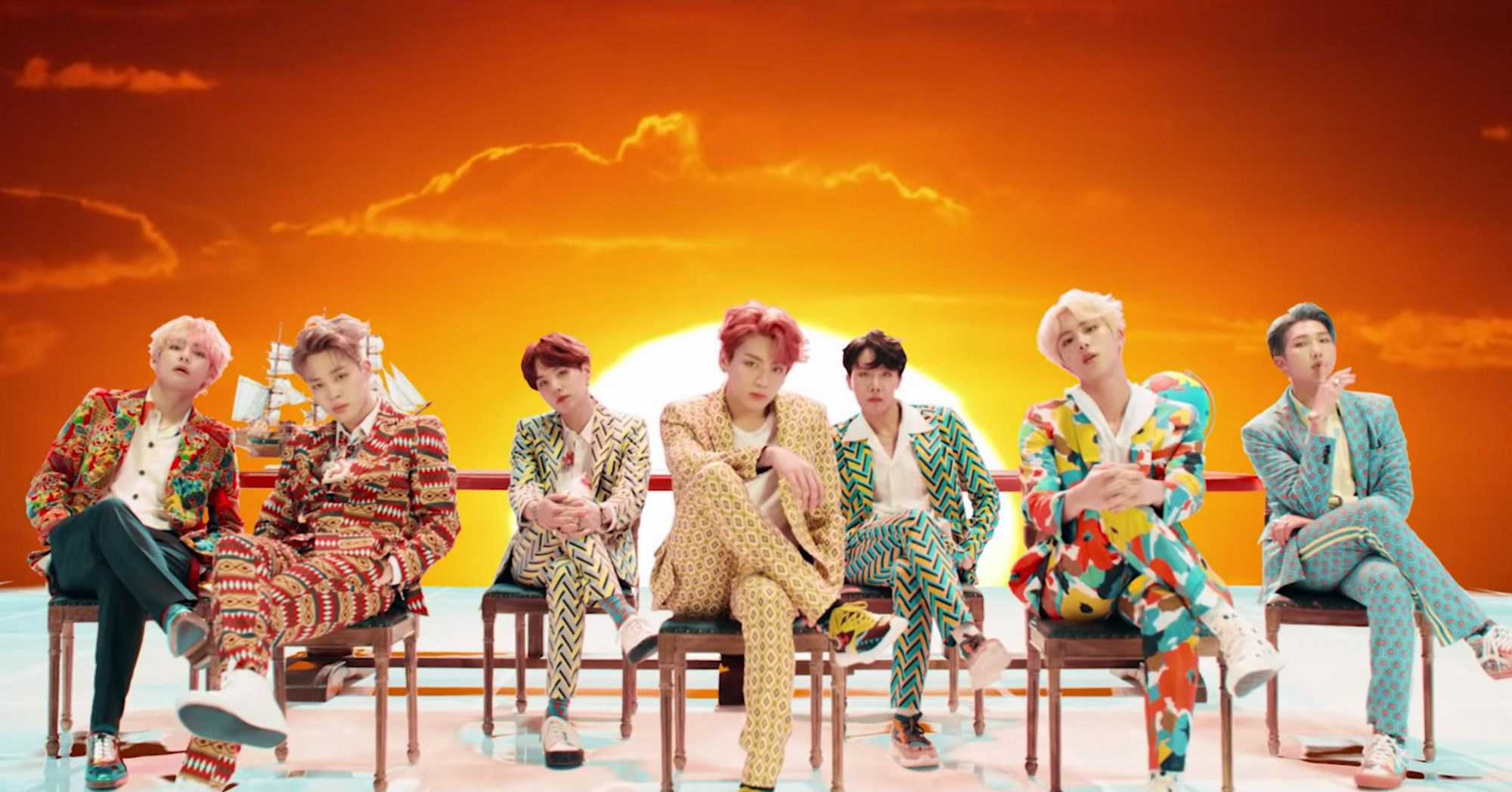 BTS the band (screen grab) https://www.youtube.com/watch?v=pBuZEGYXA6E BTS (방탄소년단) 'IDOL' Official MV CR: BTS/YouTube