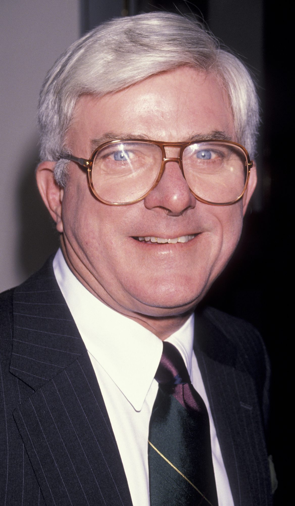 1990: Phil Donahue is honored at the inaugural GLAAD Awards