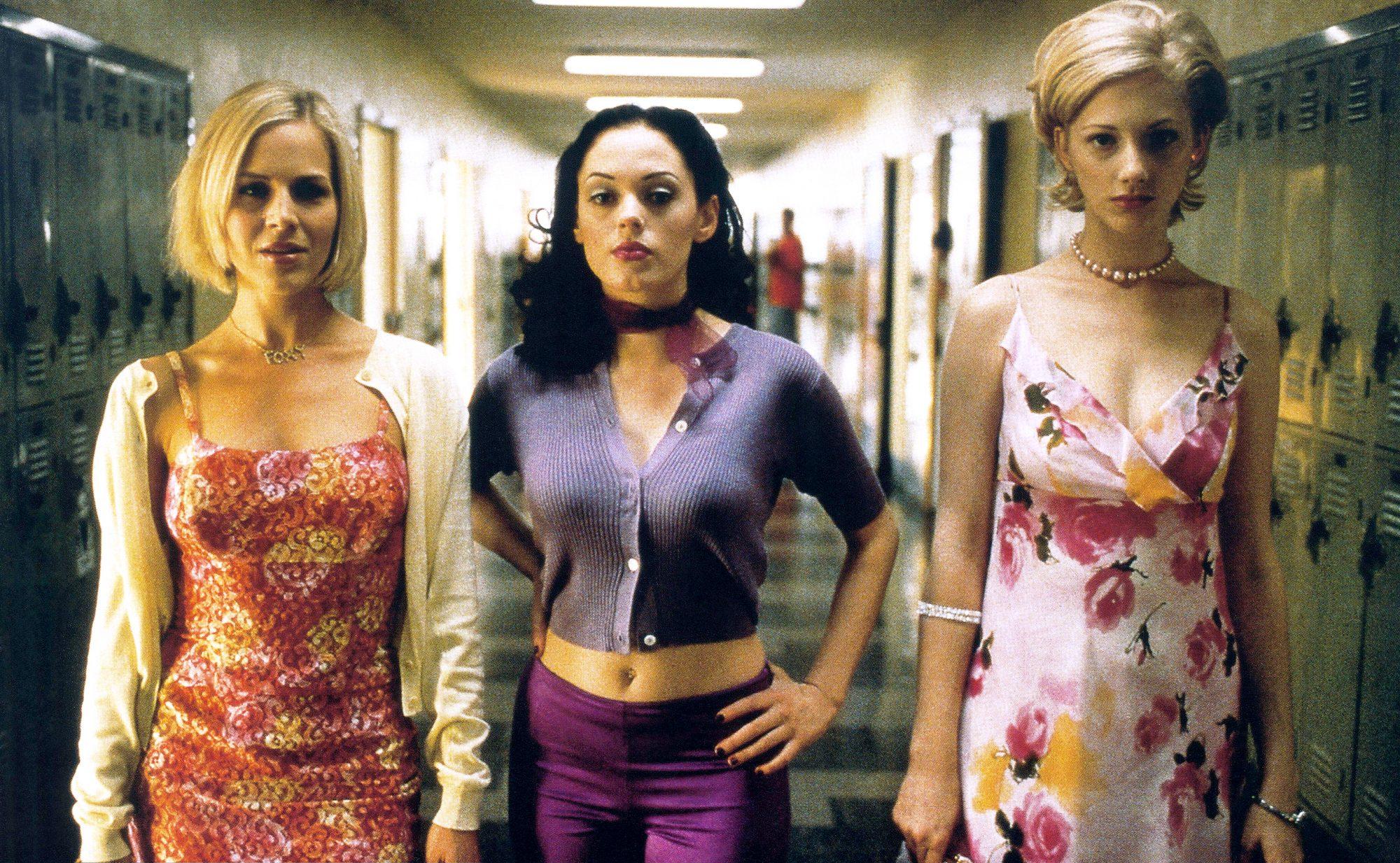 JAWBREAKER, from left: Julie Benz, Rose McGowan, Judy Greer, 1999, © TriStar/courtesy Everett