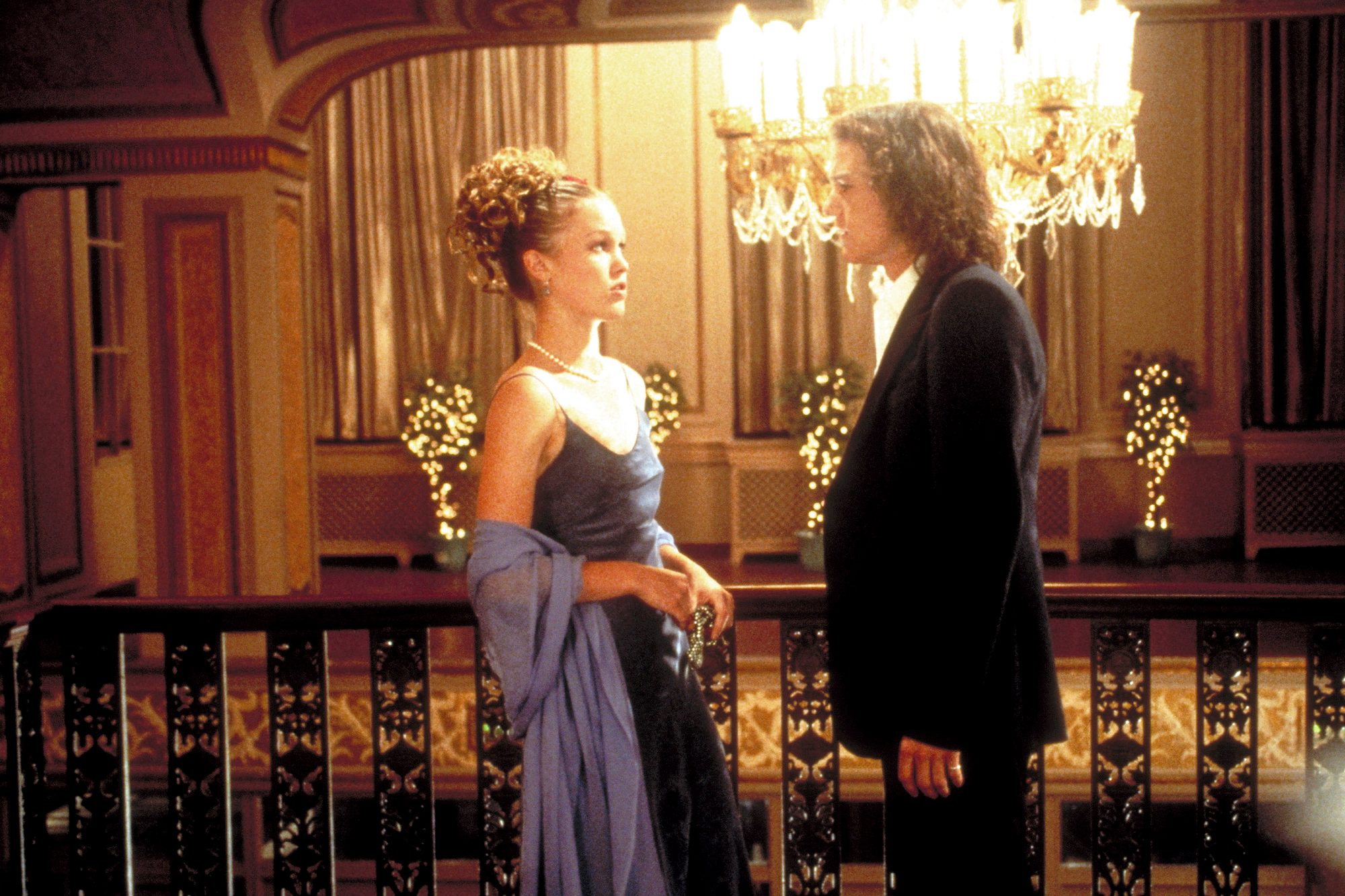 10 THINGS I HATE ABOUT YOU, from left: Julia Stiles, Heath Ledger, 1999, © Buena Vista/courtesy Ever