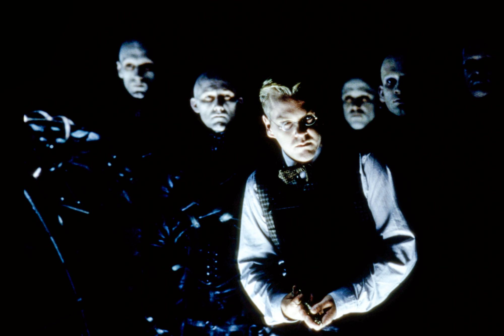DARK CITY, Kiefer Sutherland, 1998, (c)New Line Cinema/courtesy Everett Collection