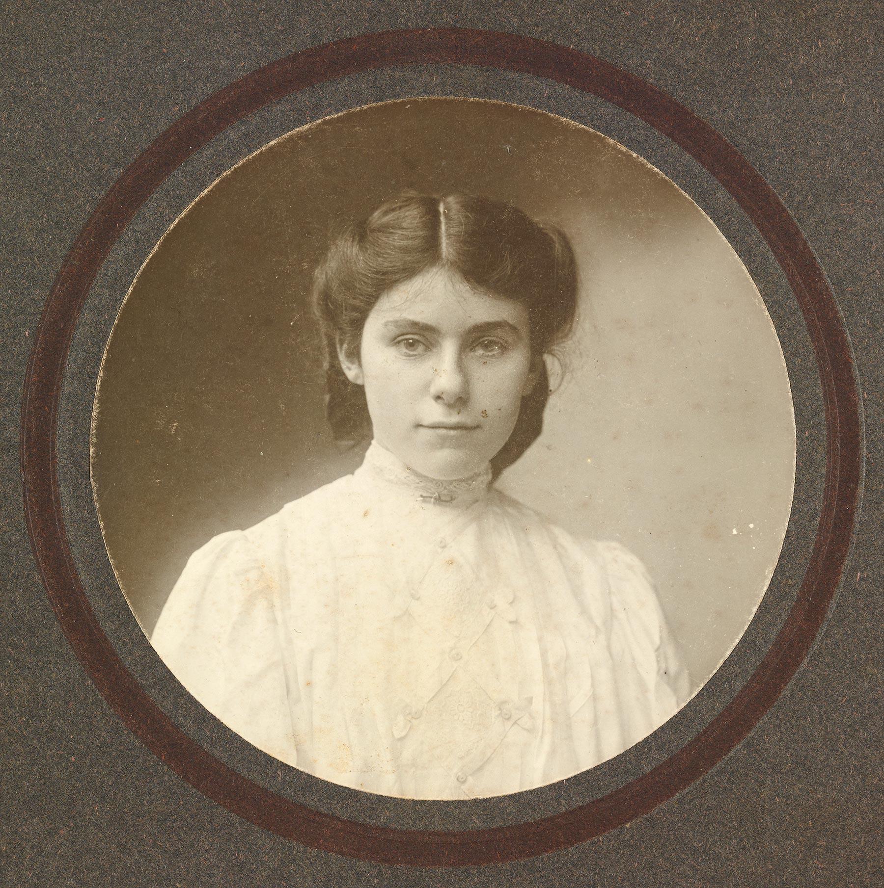 Edith-Bratt-17