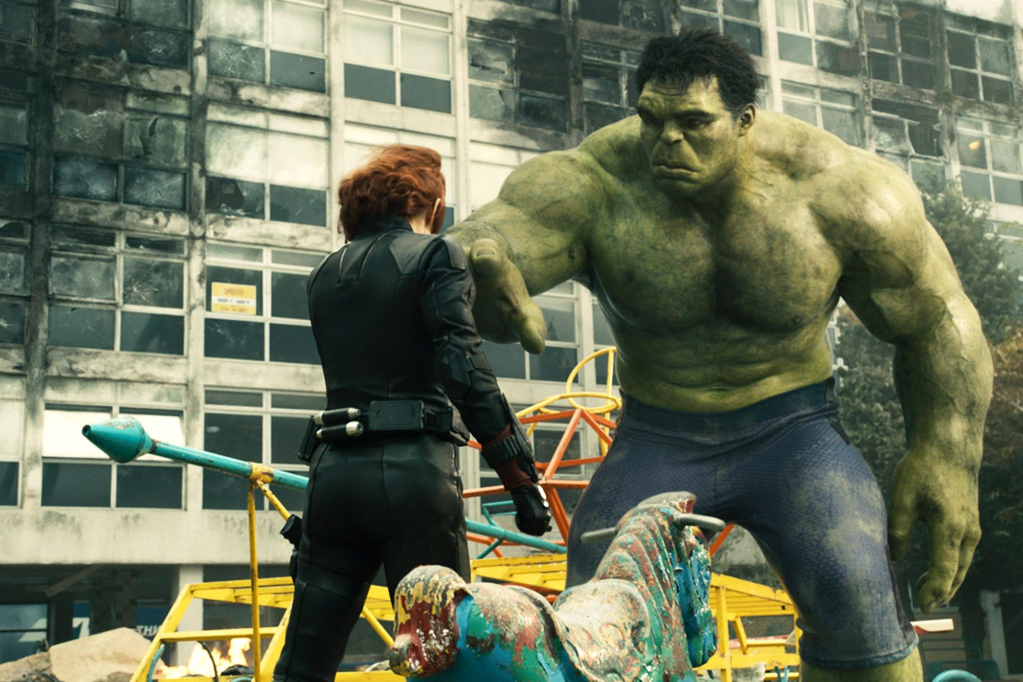 AVENGERS: AGE OF ULTRON, from left: Scarlett Johansson as Black Widow, Mark Ruffalo as Hulk, 2015.
