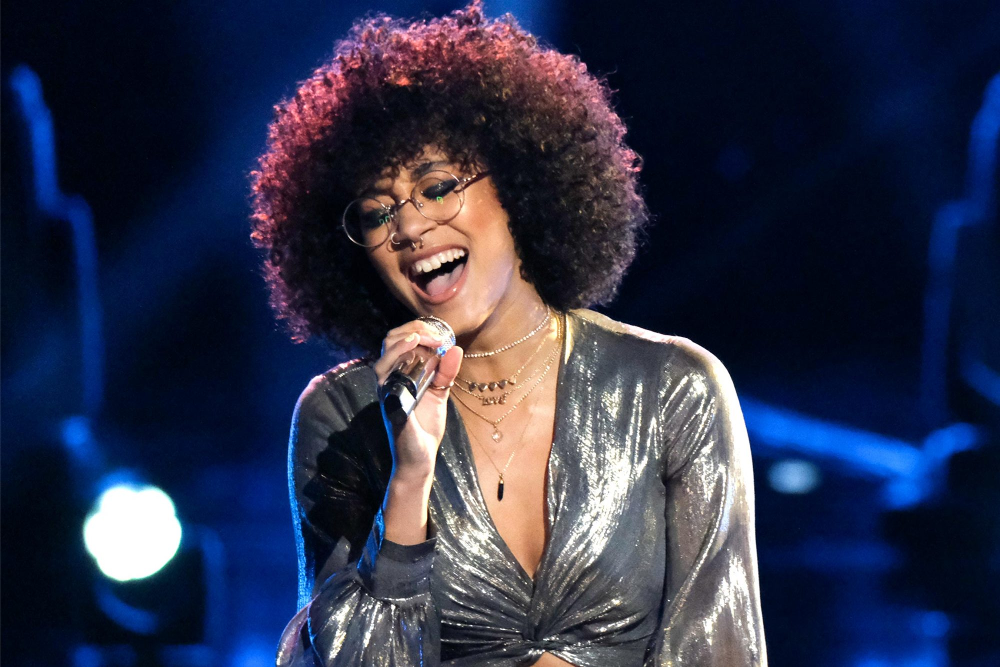 "THE VOICE -- ""Live Top 24"" Episode 1613A -- Pictured: Mari -- (Photo by: Trae Patton/NBC)"