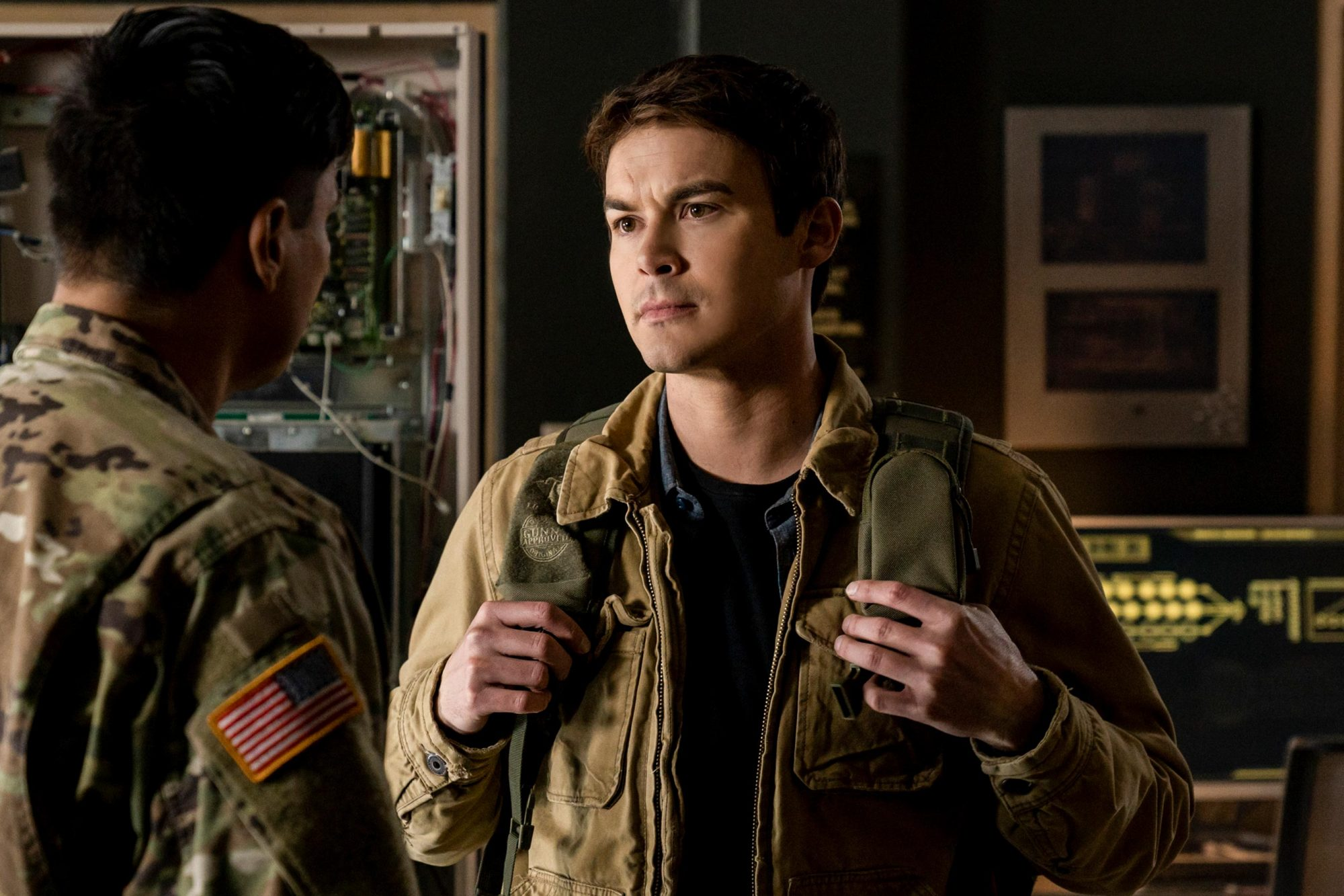 """Roswell, New Mexico -- """"Creep"""" -- Image Number: ROS112b_0587.jpg -- Pictured: Tyler Blackburn as Alex-- Photo: Ursula Coyote/The CW -- © 2019 The CW Network, LLC. All rights reserved"""