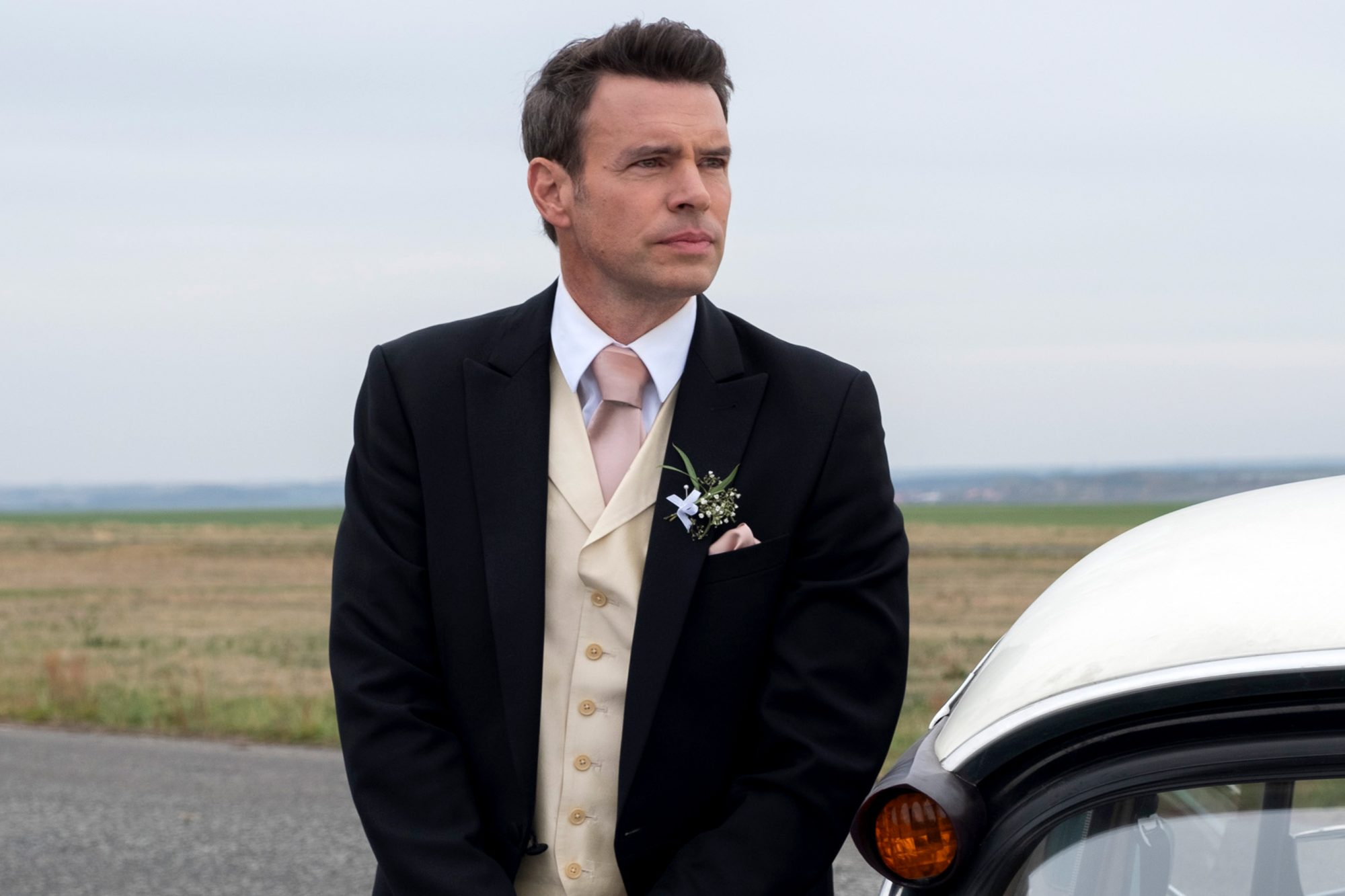 Scott Foley on Whiskey Cavalier