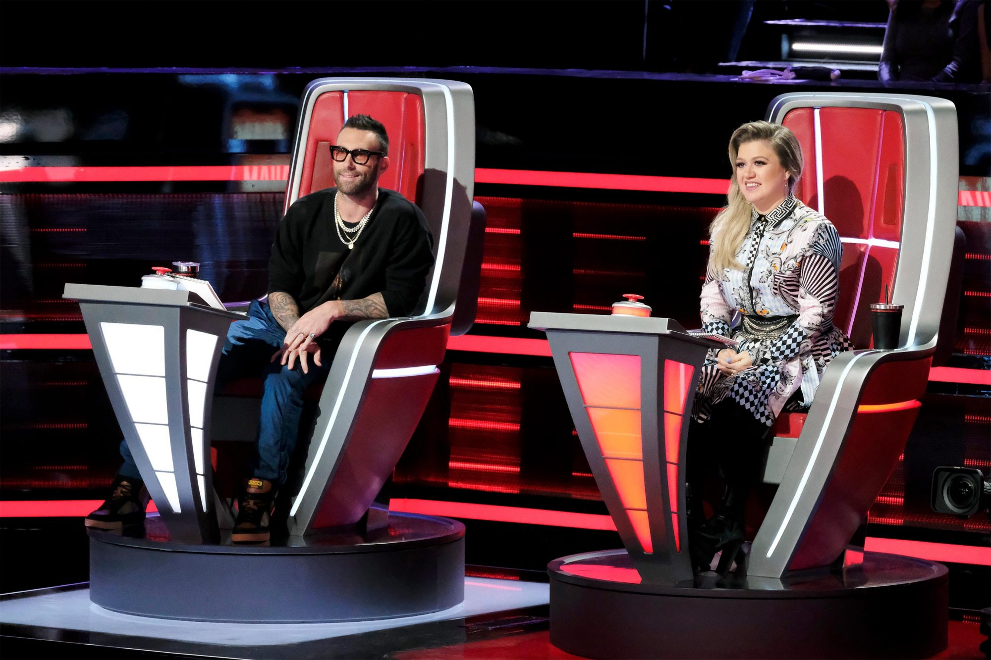 THE VOICE -- ?Knockout Rounds? Episode 1512 -- Pictured: (l-r) Adam Levine, Kelly Clarkson -- (Photo by: Trae Patton/NBC/NBCU Photo Bank via Getty Images)