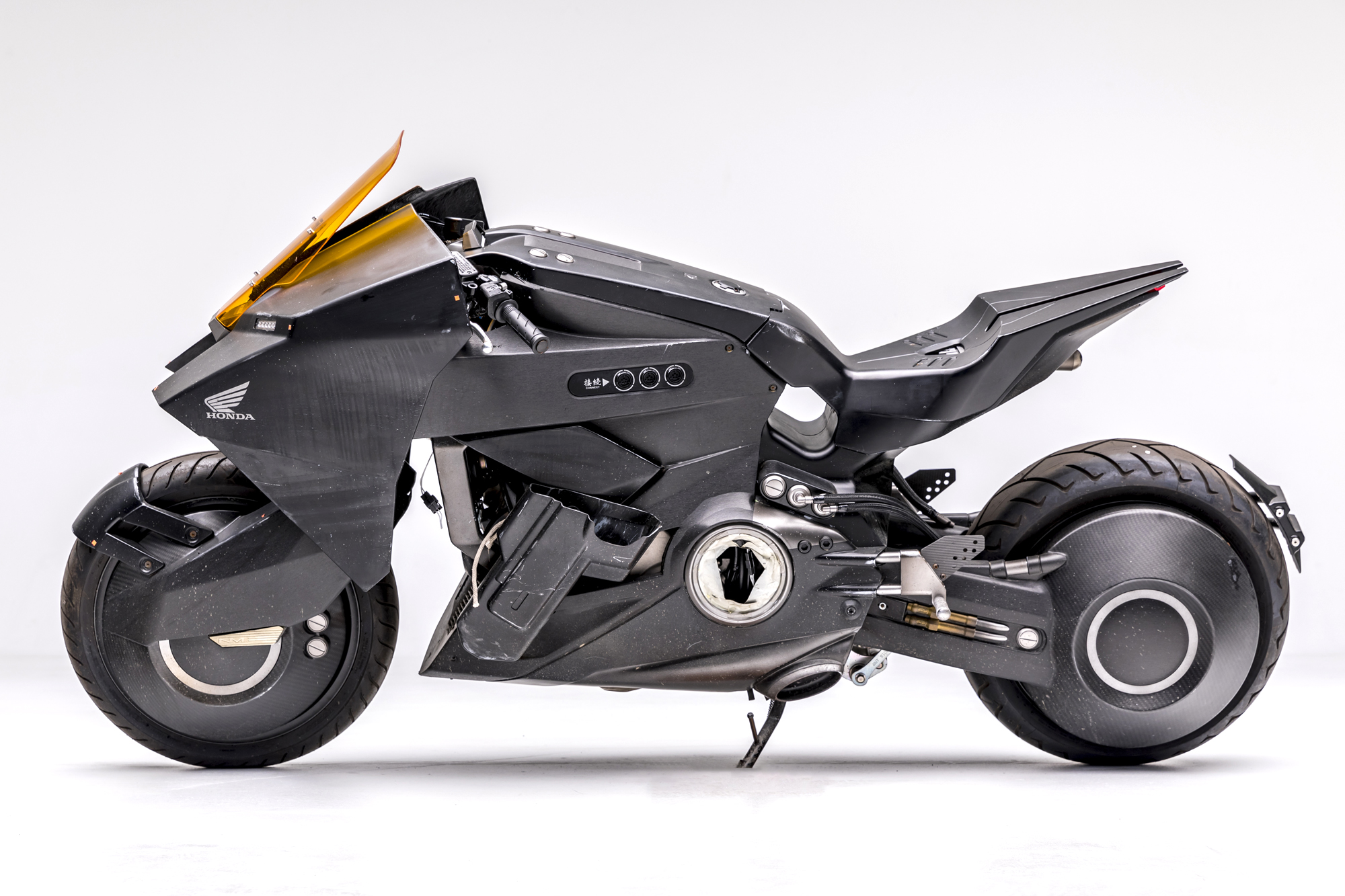 ghost-in-the-shell-honda-nm4-custom-1-2000