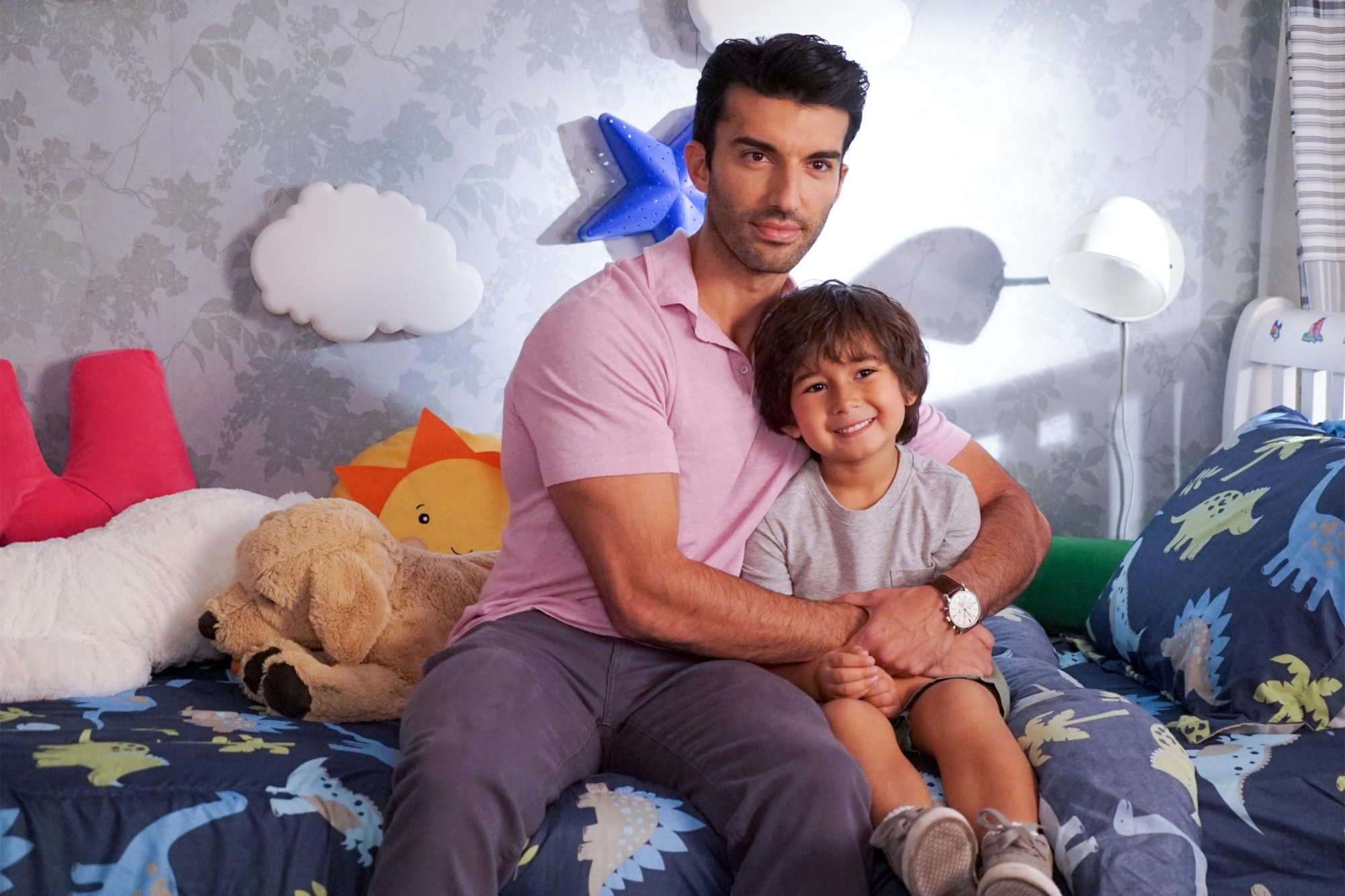 "Jane The Virgin -- ""Chapter Eighty-Nine"" Image Number: JAV508c_0215.jpg -- Pictured (L-R): Justin Baldoni as Rafael and Elias Janssen as Mateo -- Photo: Kevin Estrada/The CW -- © 2019 The CW Network, LLC. All Rights Reserved."