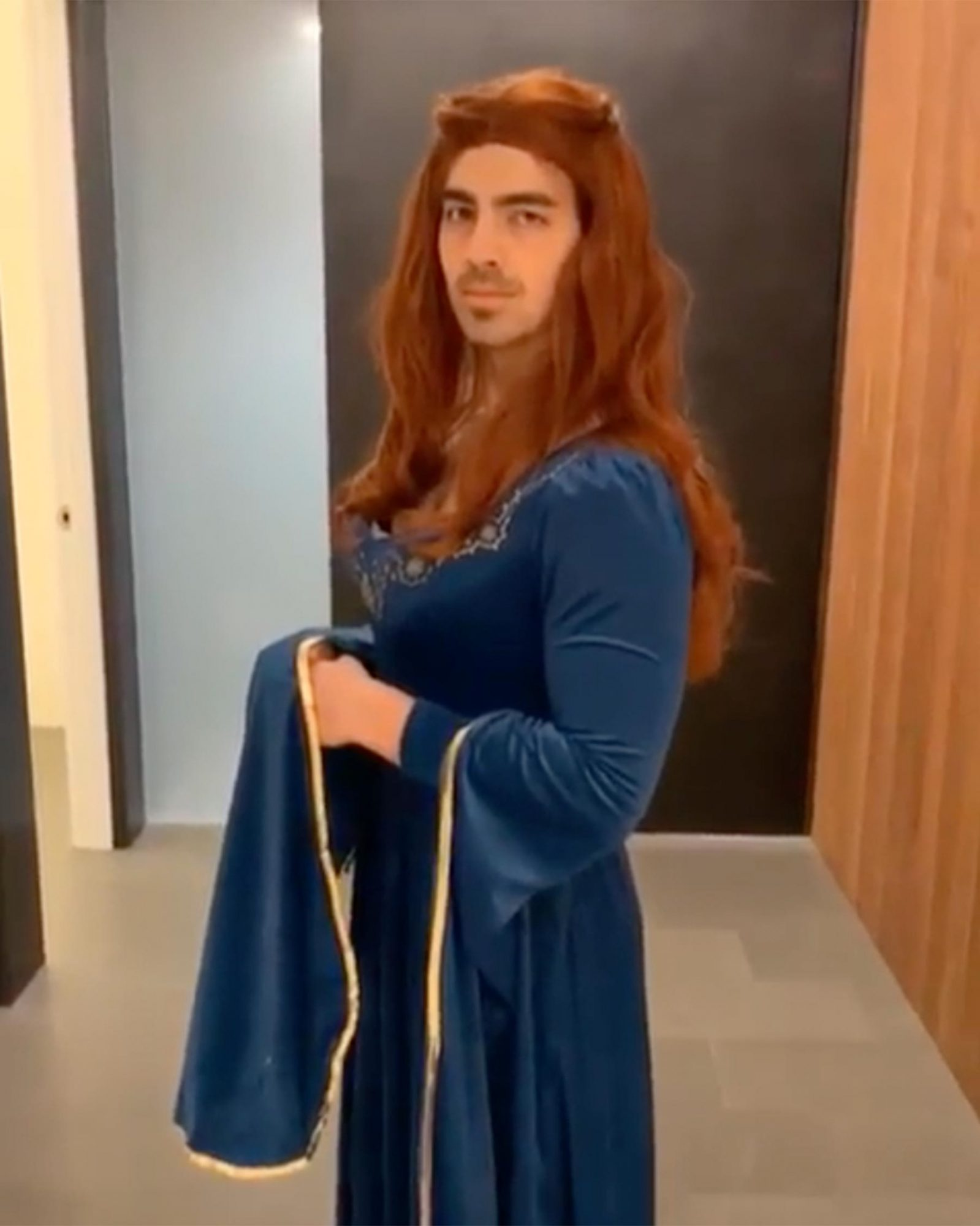 Joe Jonas Sansa Stark Halloween costume