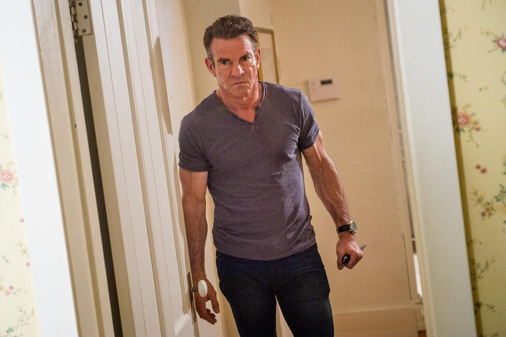 THE INTRUDER Dennis Quaid CR: Serguei Baschlakov/Sony