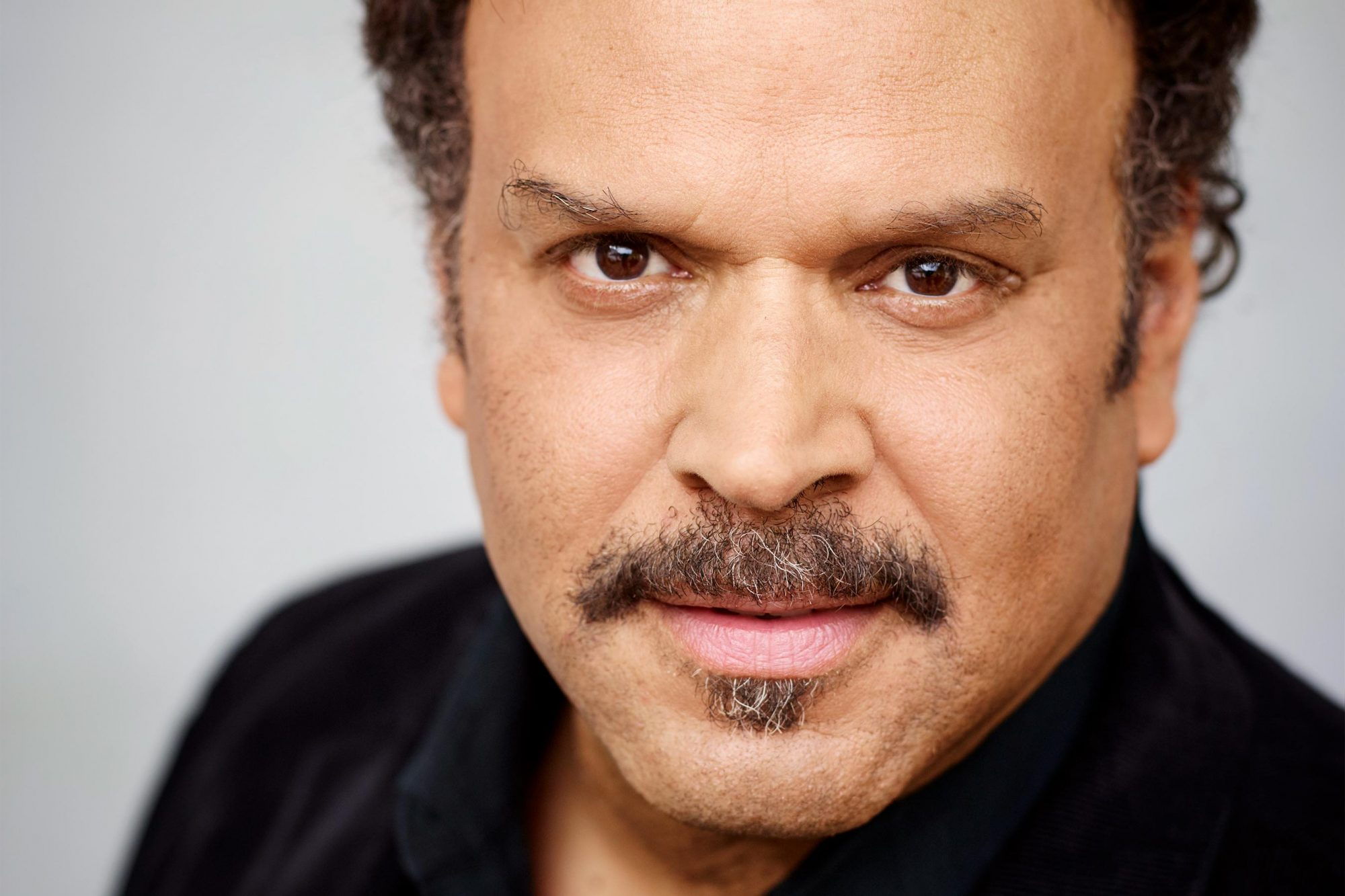 Neal Shusterman author photo, american writer of young-adult fiction CR: Gaby Gerster