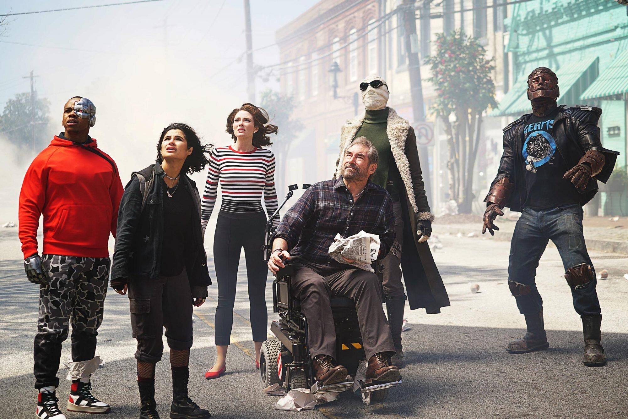 Jeremy Carver Talks Doom Patrol Season 2 Supernatural Ew Com