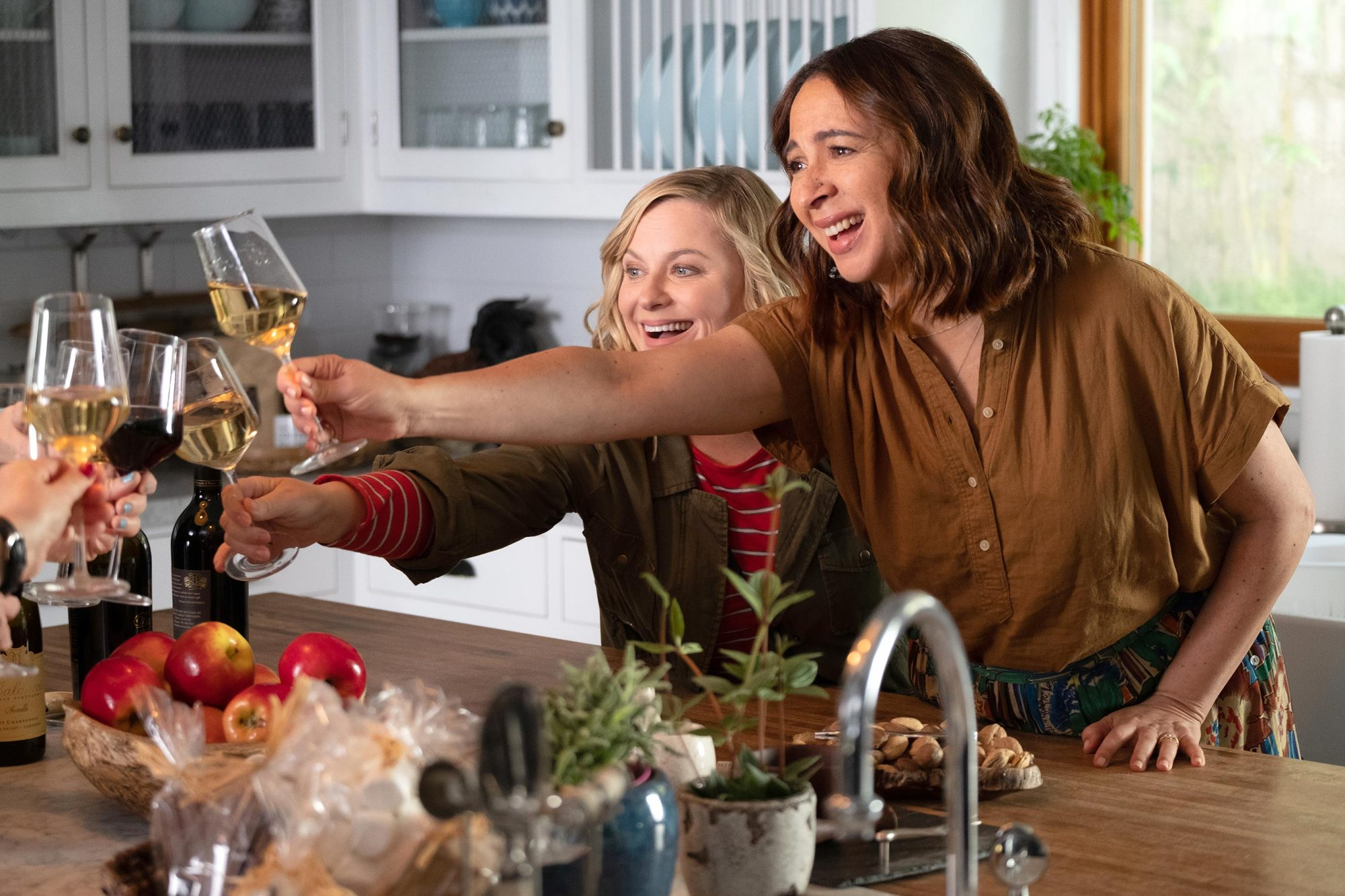 WINE COUNTRY Amy Poehler and Maya RudolphPHOTO CREDITColleen Hayes