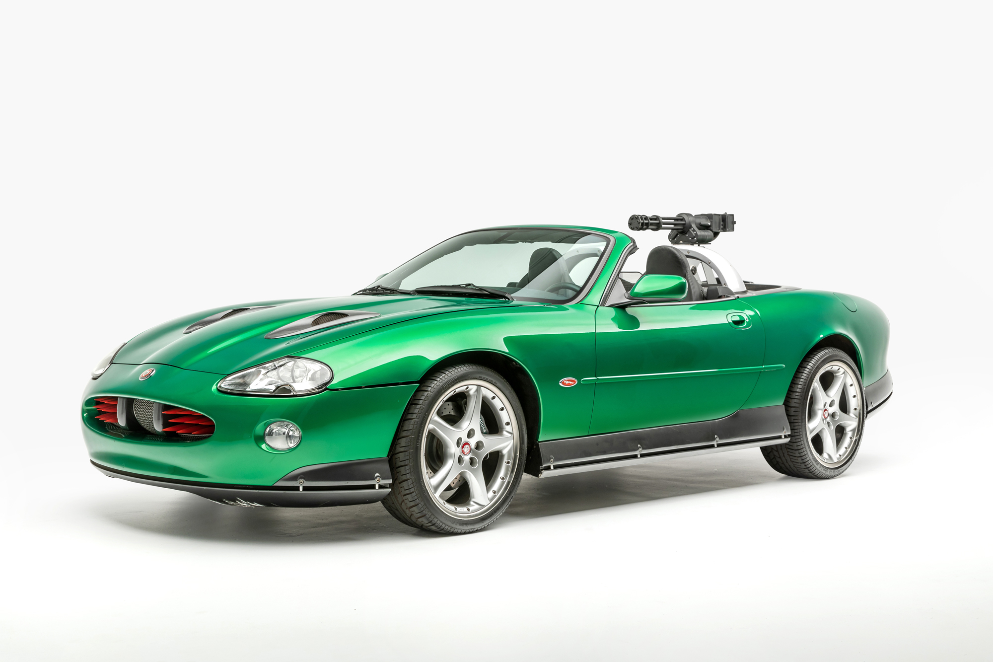 Zao's Jaguar XKR — Die Another Day (2002)