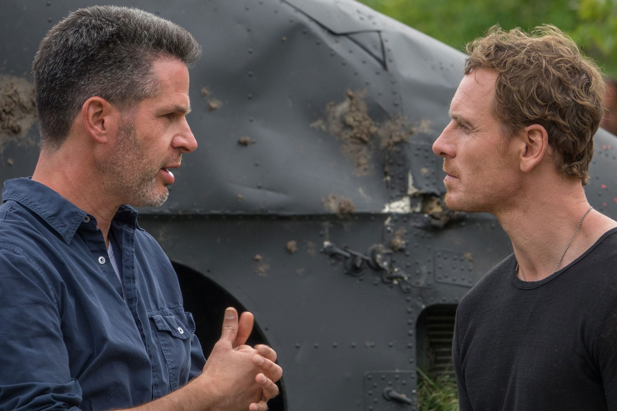 X-Men: Dark PhoenixDirector Simon Kinberg and Michael Fassbender on set