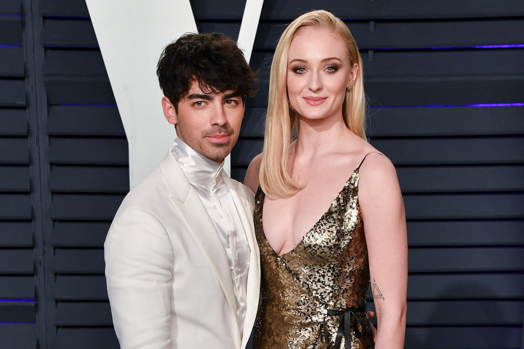 BEVERLY HILLS, CALIFORNIA - FEBRUARY 24: Joe Jonas and Sophie Turner attend the 2019 Vanity Fair Oscar Party hosted by Radhika Jones at Wallis Annenberg Center for the Performing Arts on February 24, 2019 in Beverly Hills, California. (Photo by George Pimentel/Getty Images)