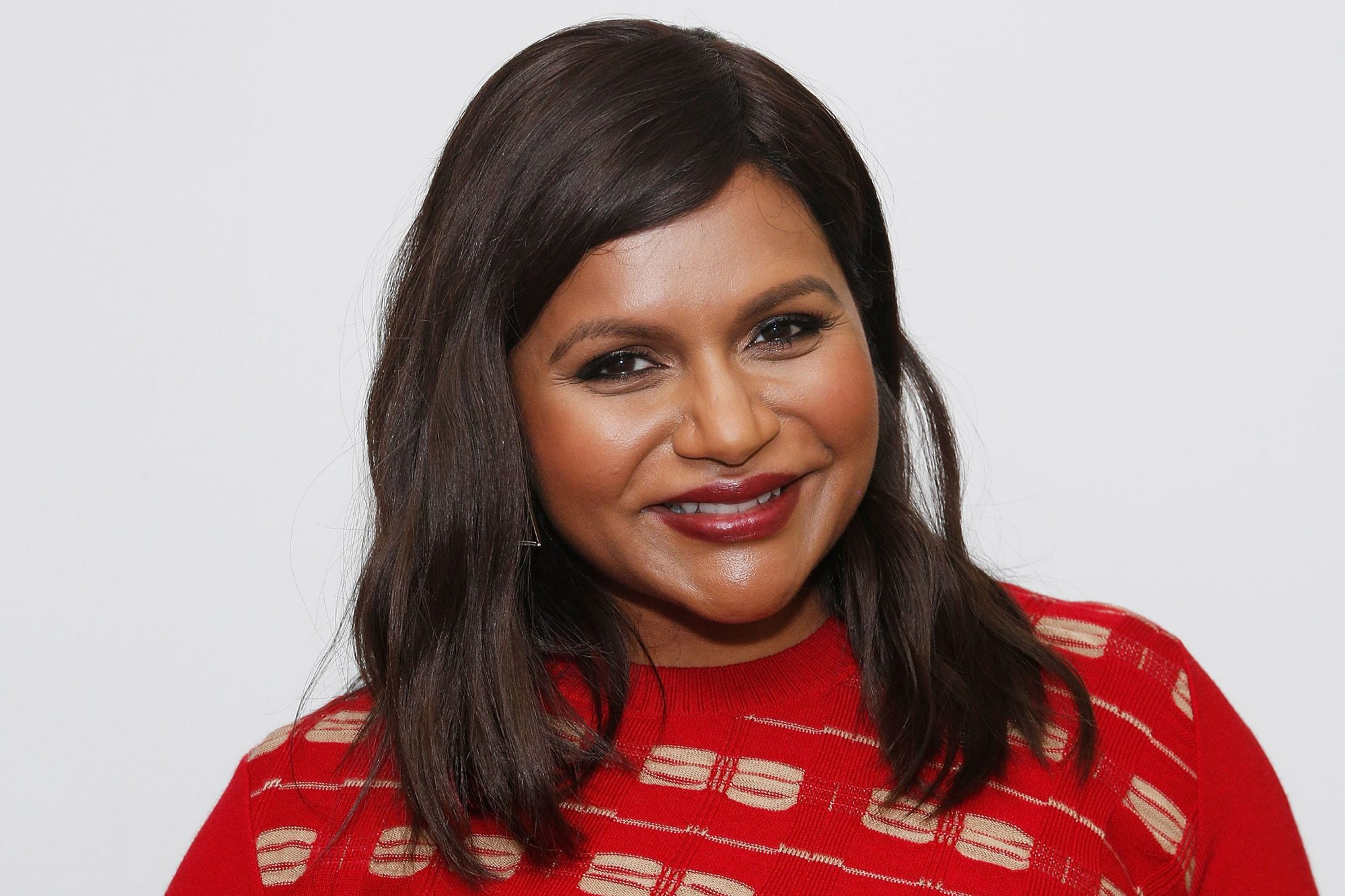 Mindy Kaling Reveals She Welcomed Second Child In September Ew Com