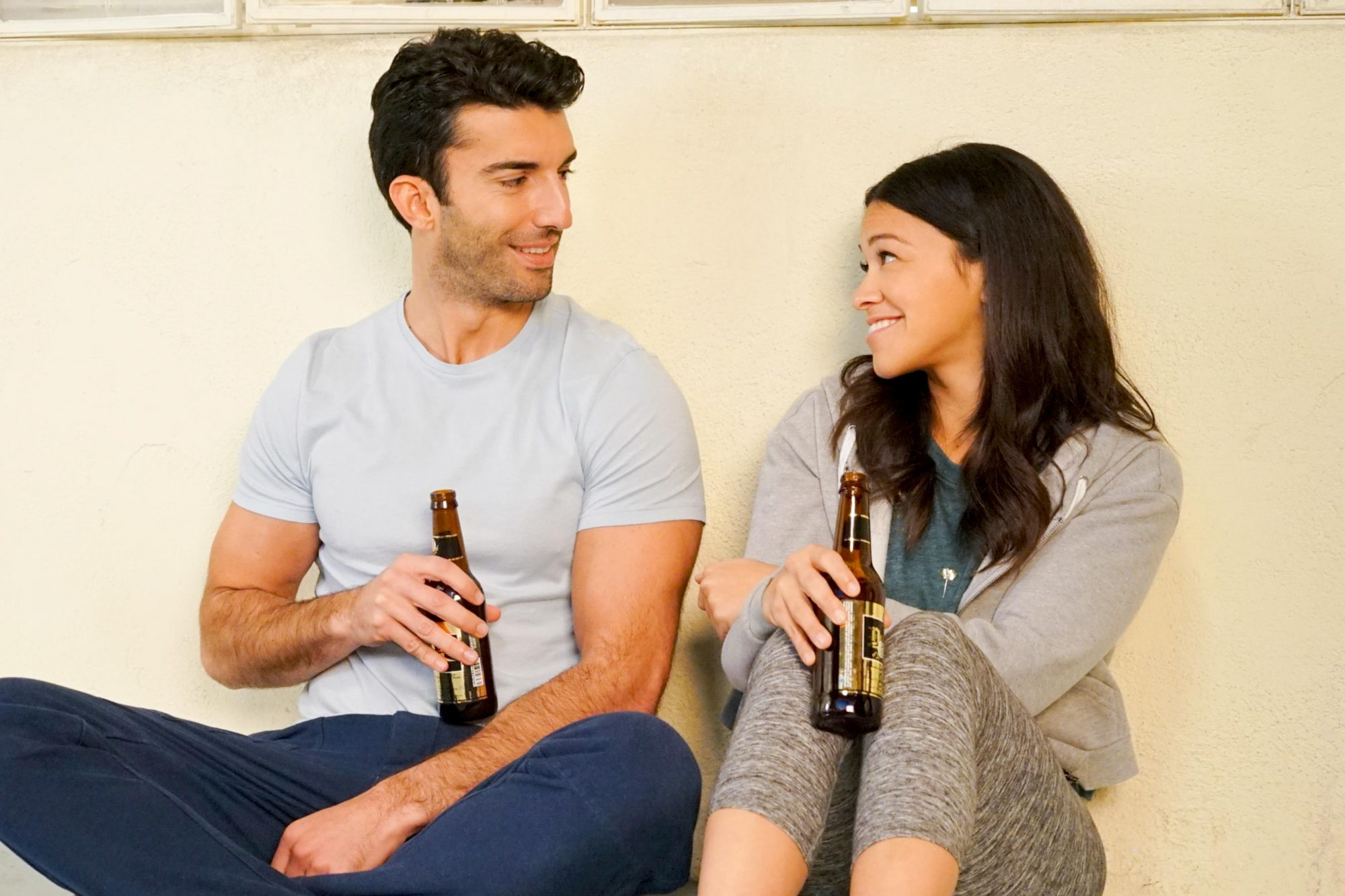 "Jane The Virgin -- ""Chapter Ninety-Two"" -- Image Number: JAV511a_0057.jpg -- Pictured (L-R): Justin Baldoni as Rafael and Gina Rodriguez as Jane -- Photo: Kevin Estrada/The CW -- © 2019 The CW Network, LLC. All Rights Reserved."