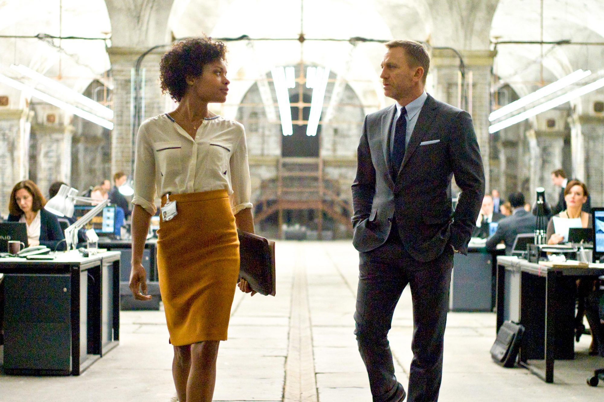 SKYFALL, from left: Naomie Harris, Daniel Craig as James Bond, 2012. ph: Francois Duhamel/©Columbia Pictures/courtesy Everett Collection
