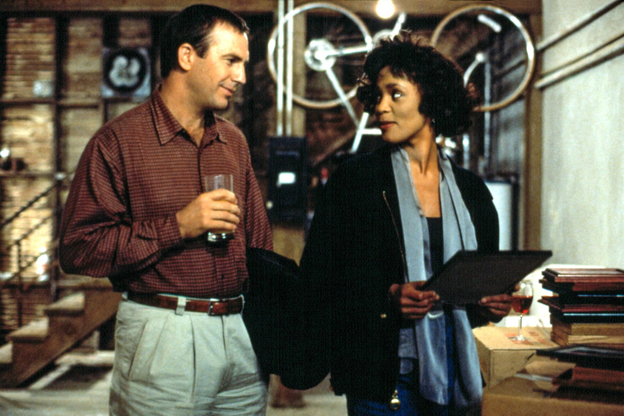 BODYGUARD, THE, Kevin Costner, Whitney Houston, 1992