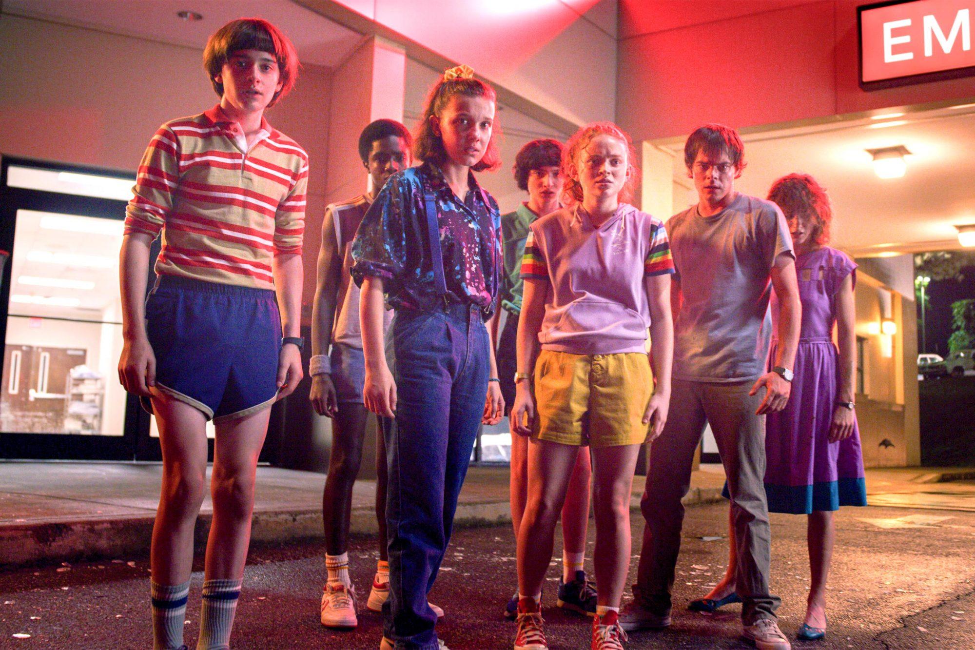 Stranger Things 3 Season 3 Noah Schnapp, Caleb McLaughlin, Millie Bobby Brown, Finn Wolfhard, Sadie Sink, Charlie Heaton, Natalia Dyer CR: Netflix