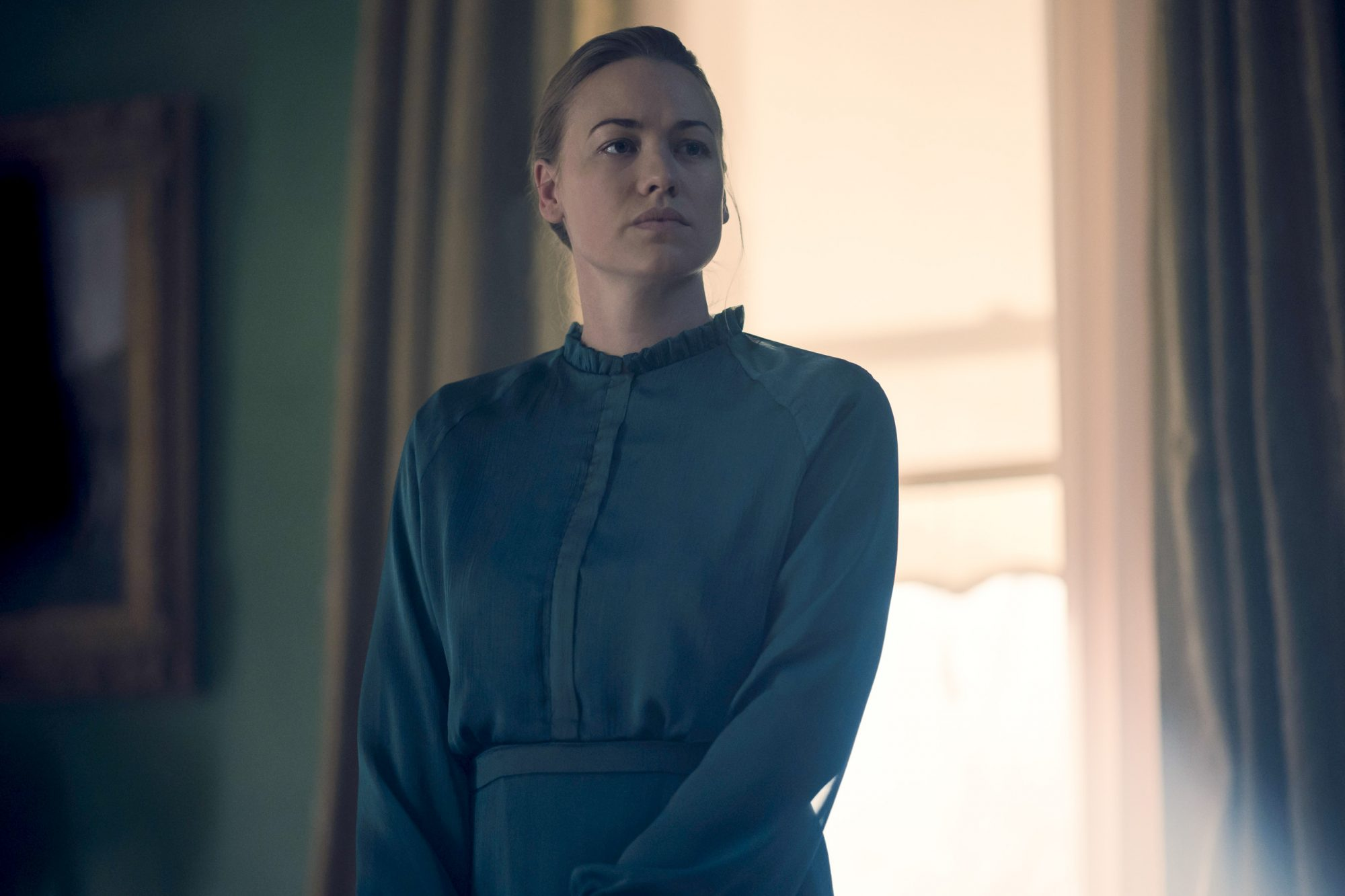 "The Handmaid's Tale -- ""Watch Out"" - Episode 303 -- June navigates a meeting where she must face both Commander Waterford and Nick. Serena Joy attempts to recuperate at her mother's home. Lawrence teaches June a hard lesson about the difficult decisions he makes as a Commander. Serena Joy Waterford (Yvonne Strahovski), shown. (Photo by: Elly Dassas/Hulu)"