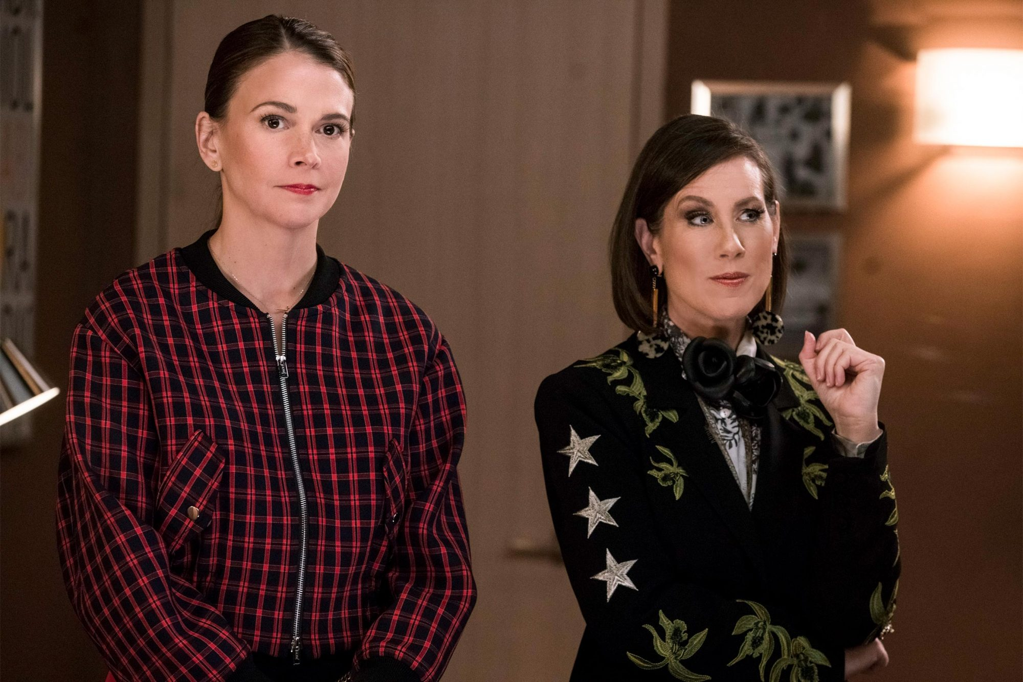 """Younger"" Ep. 503 (Aired 6/19/18) Sutton Foster and Miriam Shor CR: Zach Dilgard/TV Land"