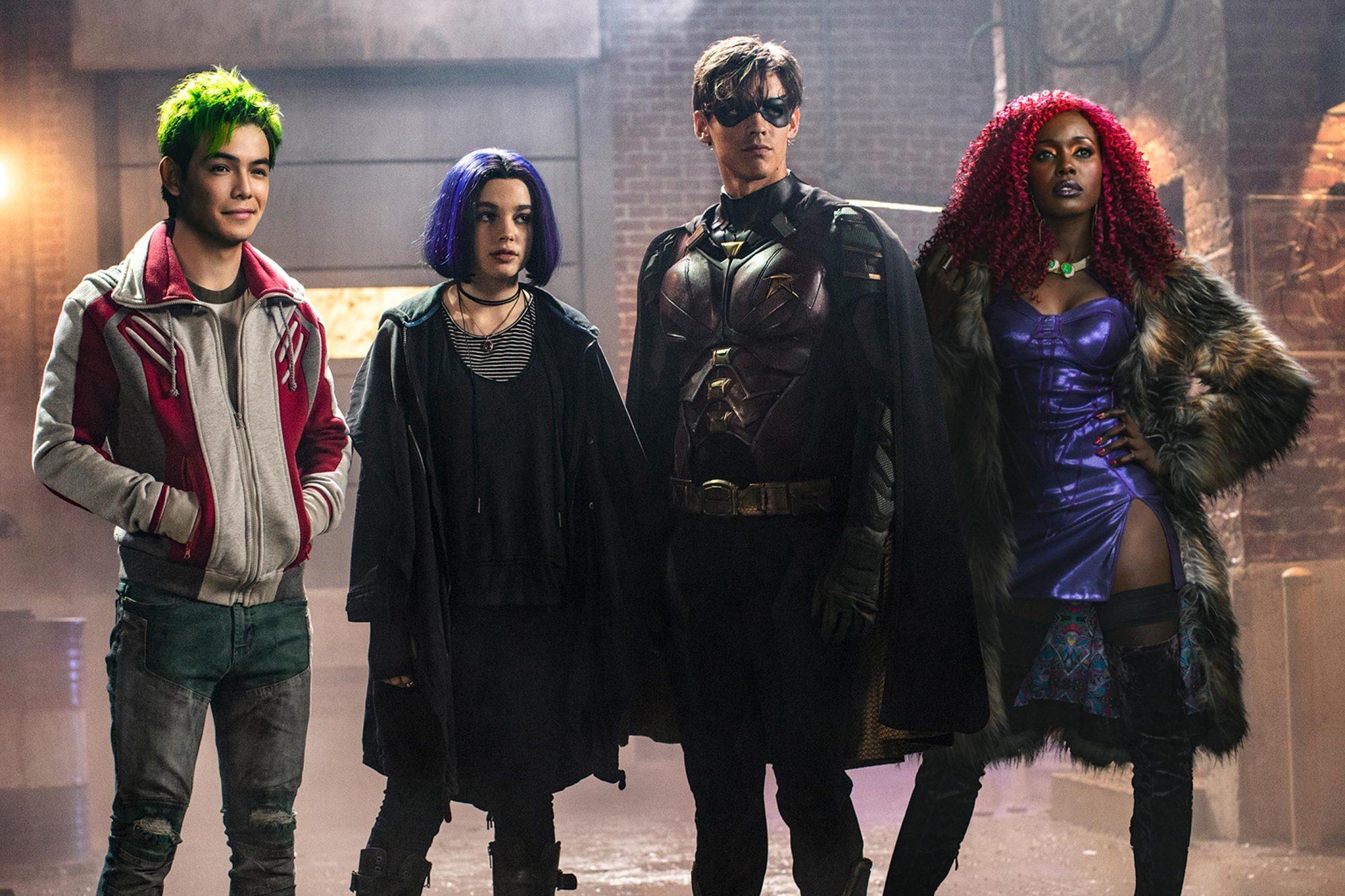 Titans Season 2 Premiere Date Revealed Ew Com