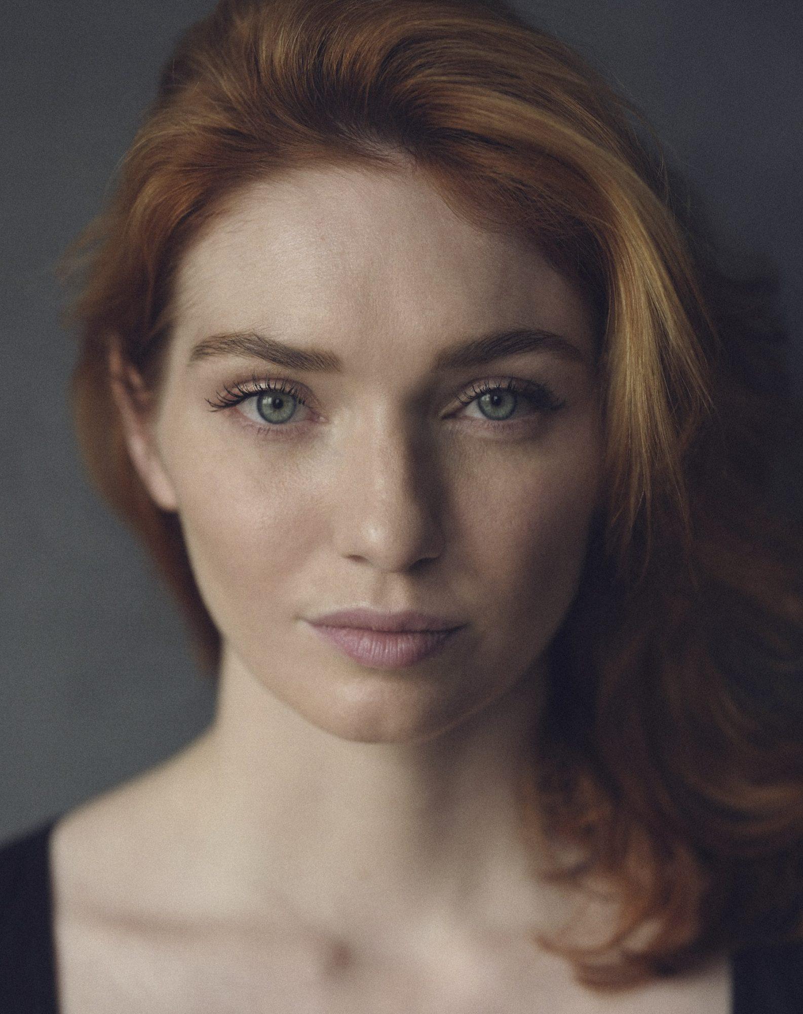 Eleanor Tomlinson - Headshot