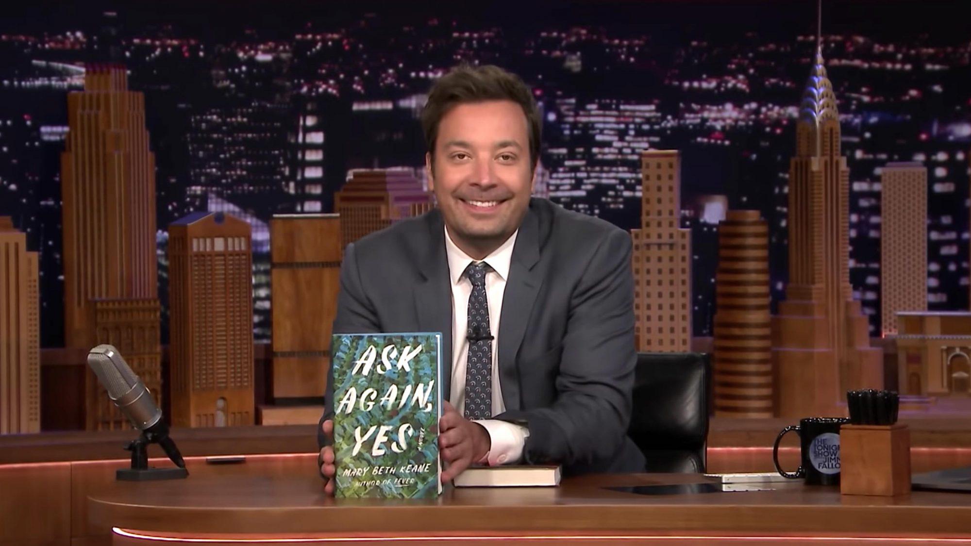 Jimmy Reveals the Tonight Show Summer Reads 2019 Winner (screen grab) https://www.youtube.com/watch?v=TprtqJP-sSM CR: NBC