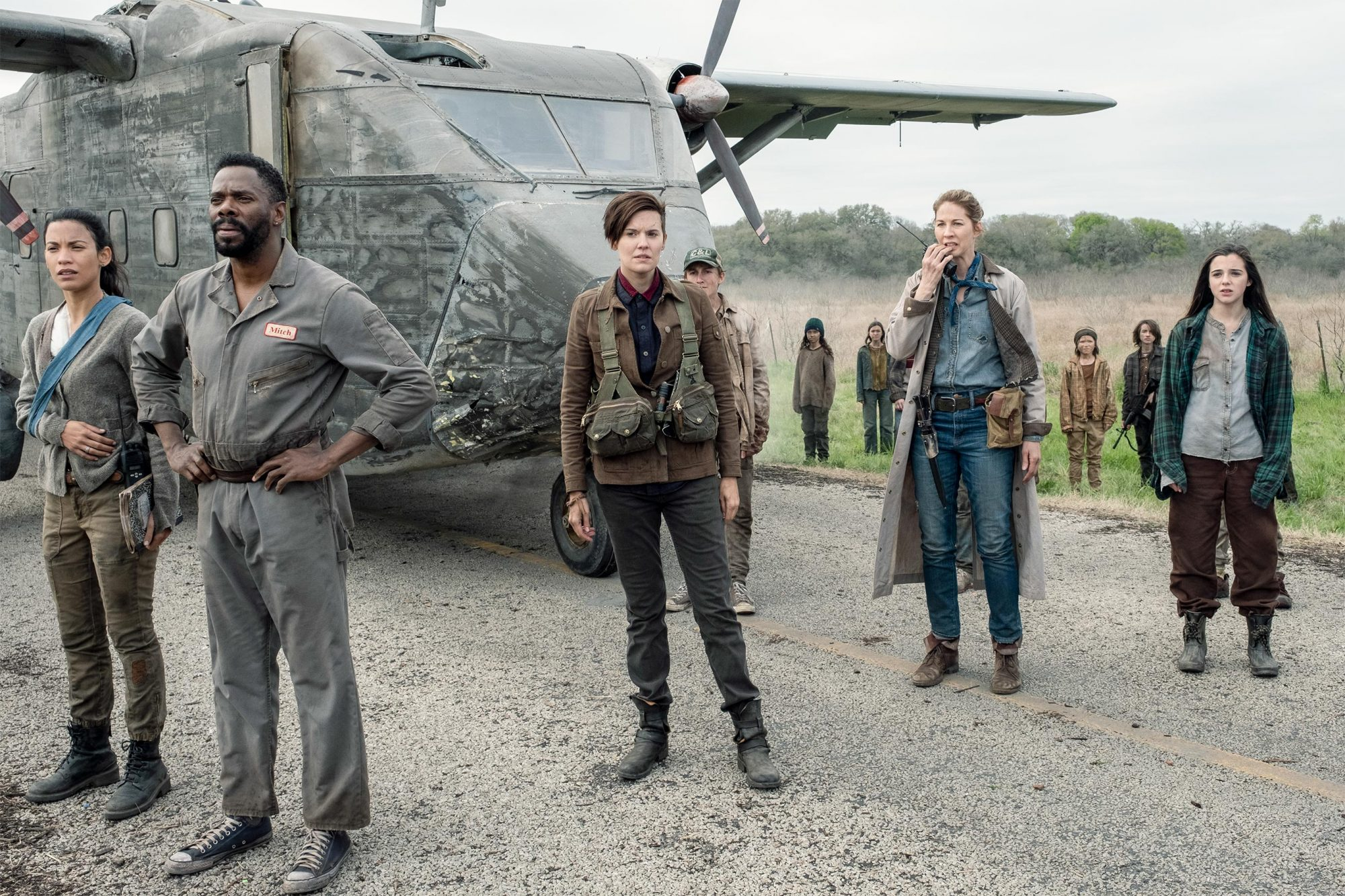 Danay Garcia as Luciana, Colman Domingo as Victor Strand, Maggie Grace as Althea, Ethan Suess as Max, Jenna Elfman as June, Alexa Nisenson as Charlie - Fear the Walking Dead _ Season 5, Episode 8 - Photo Credit: Van Redin/AMC