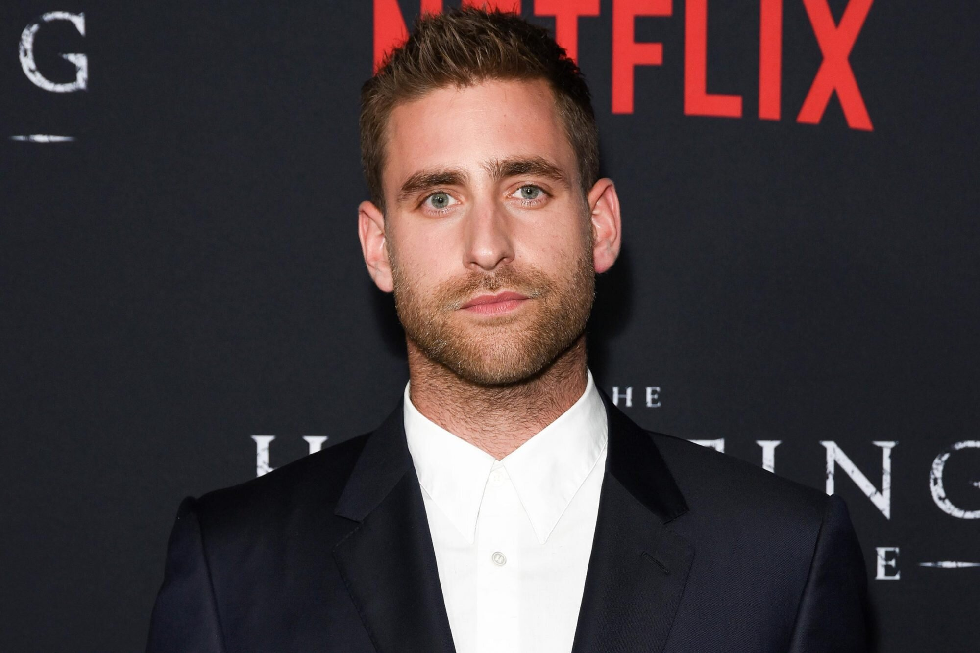 The Invisible Man Taps Hill House S Oliver Jackson Cohen For Title Role Ew Com