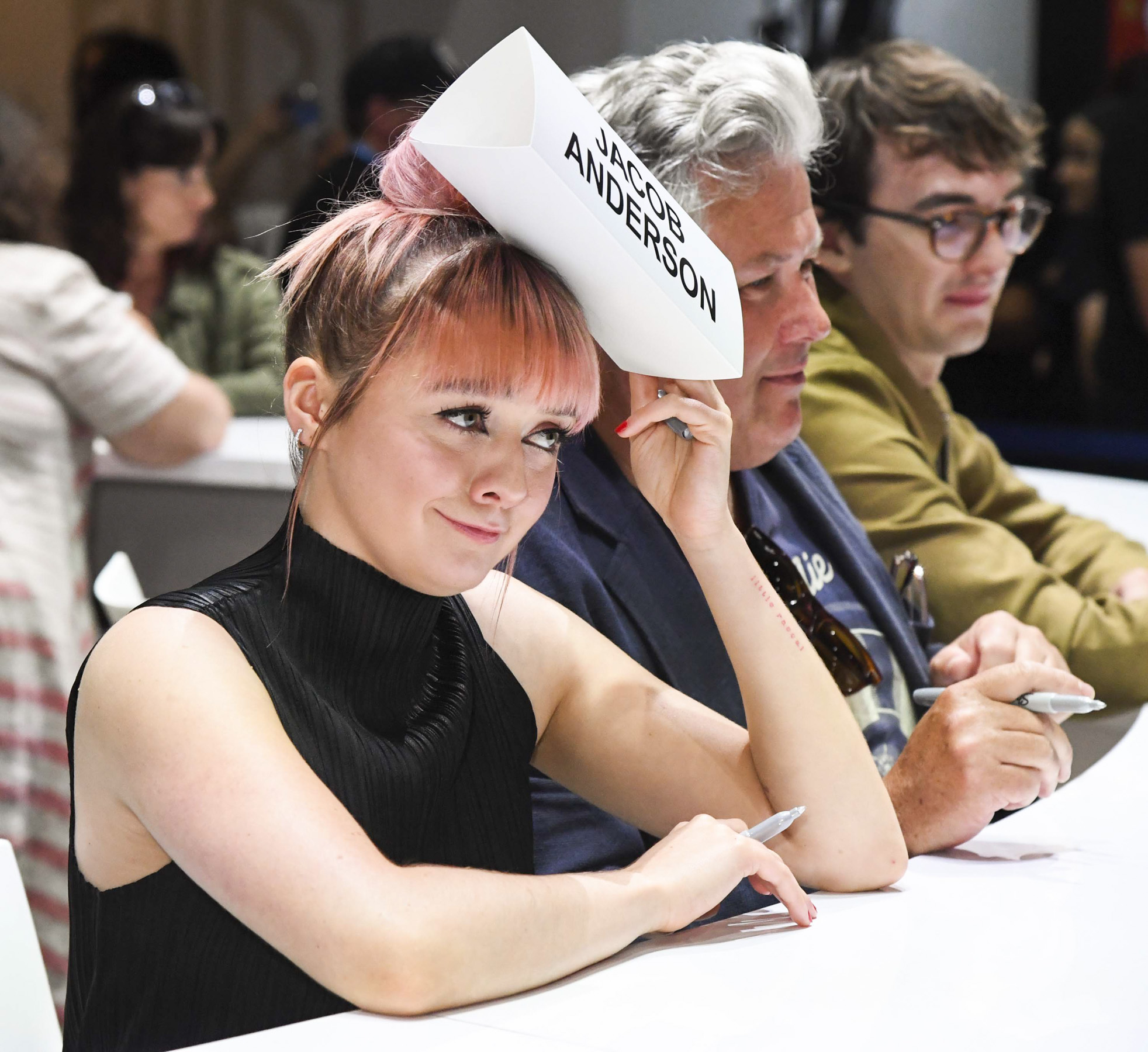 """SAN DIEGO, CALIFORNIA - JULY 19: Maisie Williams at """"Game Of Thrones"""" Comic Con Autograph Signing 2019 on July 19, 2019 in San Diego, California. (Photo by Jeff Kravitz/FilmMagic for HBO)"""