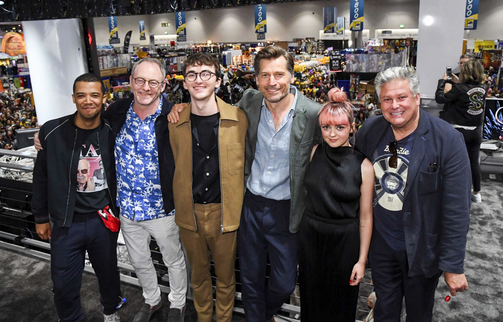 """SAN DIEGO, CALIFORNIA - JULY 19: (L-R) Jacob Anderson, Liam Cunningham, Isaac Hempstead, Nikolaj Coster-Waldau, Maisie Williams, and Conleth Hill at """"Game Of Thrones"""" Comic Con Autograph Signing 2019 on July 19, 2019 in San Diego, California. (Photo by Jeff Kravitz/FilmMagic for HBO)"""
