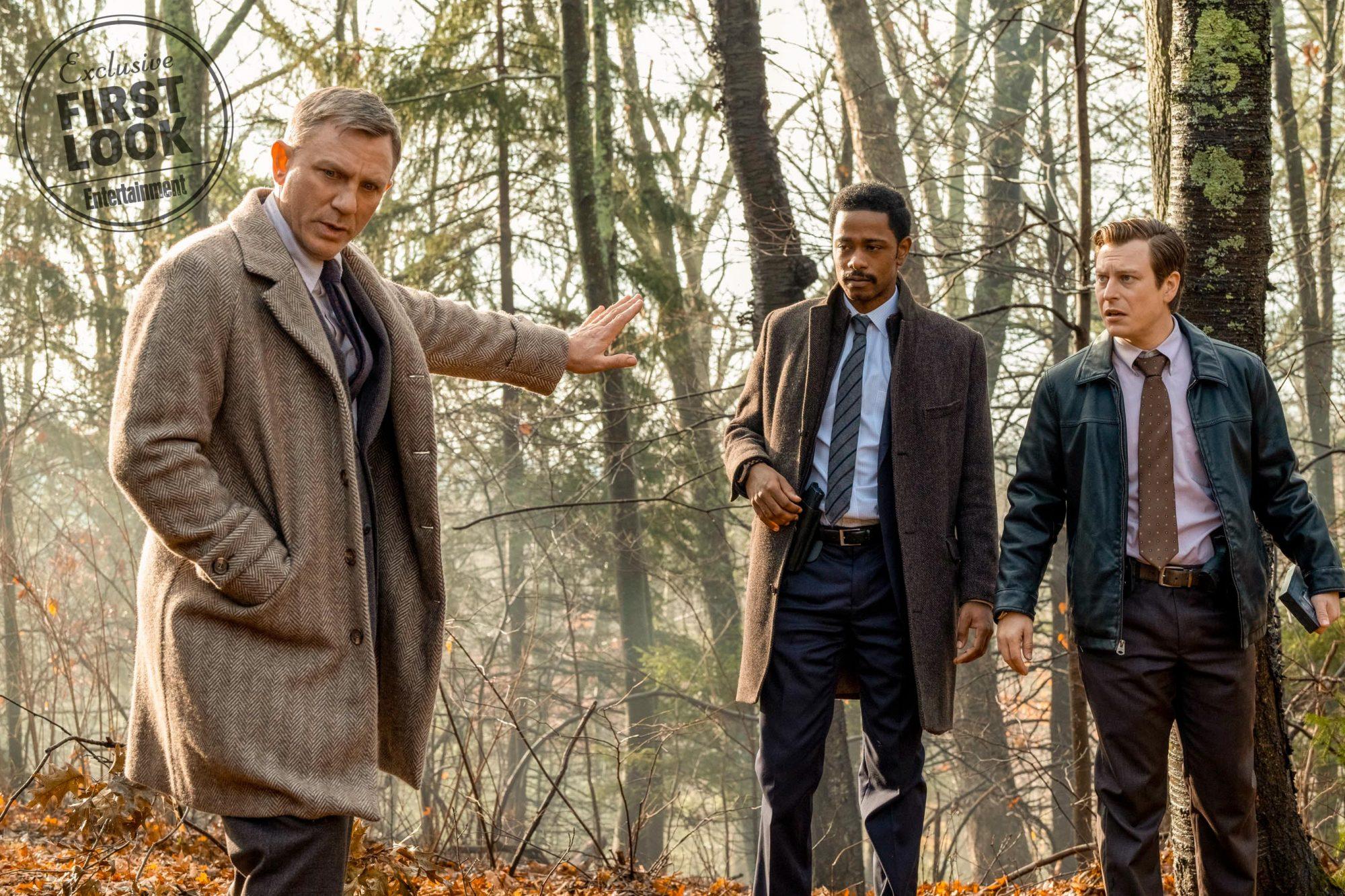 KNIVES OUT Benoit Blanc (Daniel Craig, left), Lt. Elliott (LaKeith Stanfield), Trooper Wagner (Noah Segan, right) in KNIVES OUT. CR: Claire Folger/Lionsgate