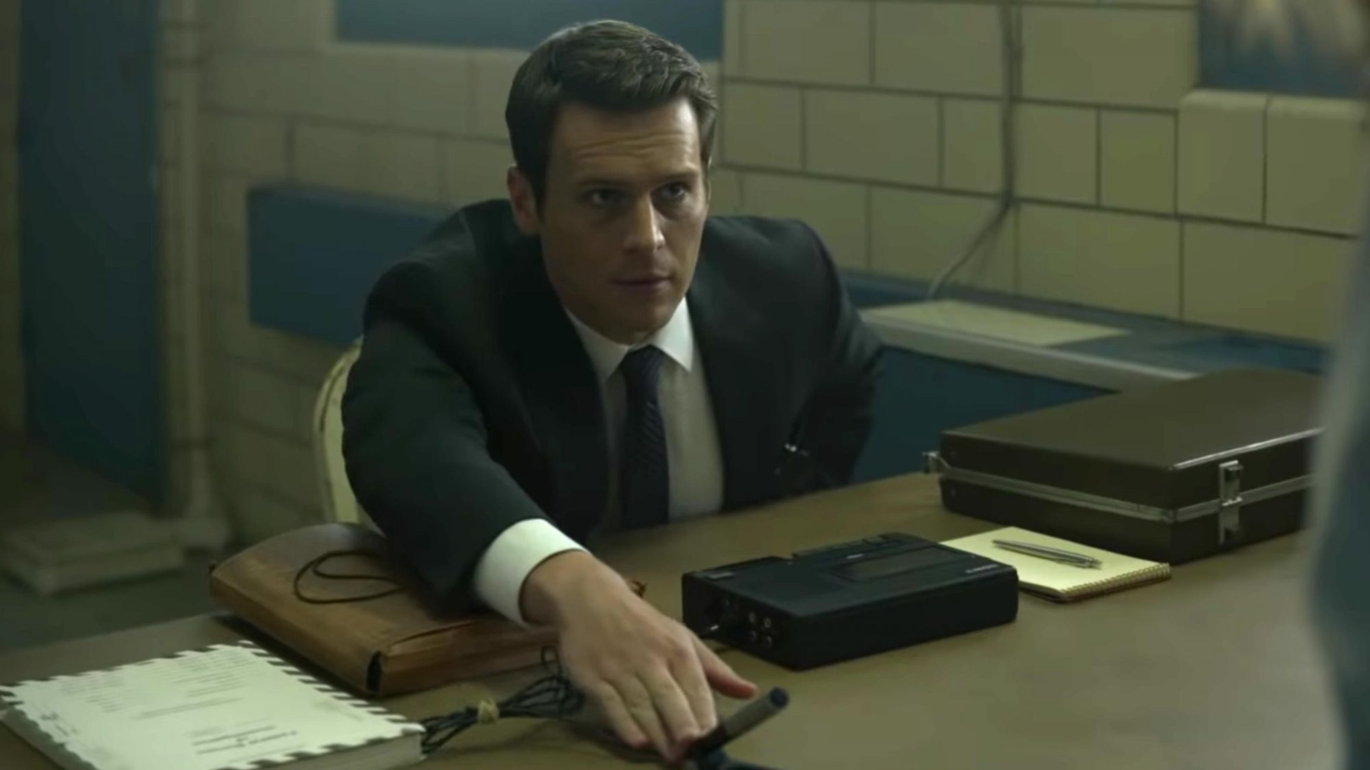 MINDHUNTER | Season 2 | Official Teaser (screen grab) https://www.youtube.com/watch?v=wIazdDw4tao CR: Netflix