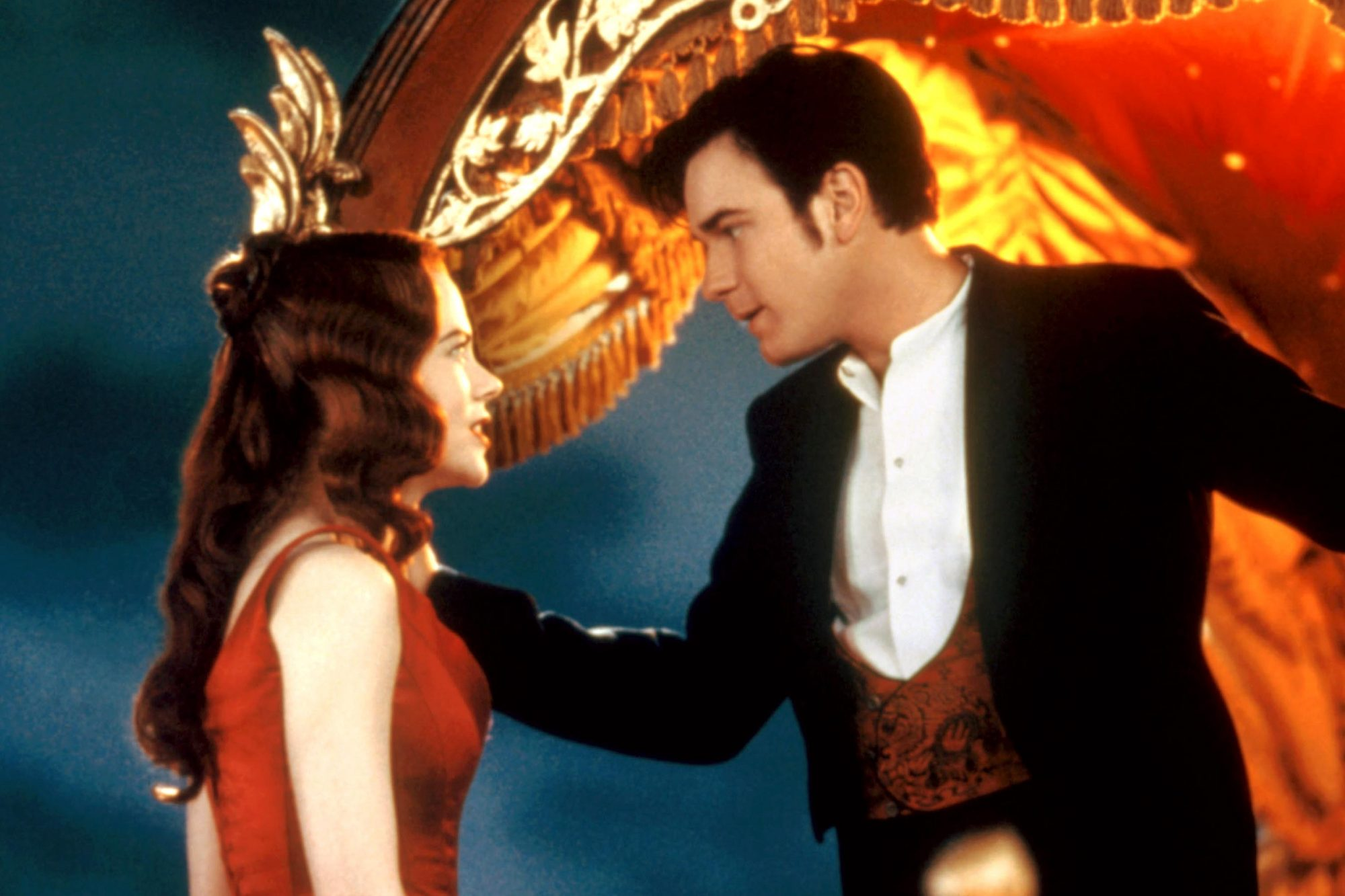 MOULIN ROUGE!, Nicole Kidman, Ewan McGregor, 2001, TM and Copyright (c)20th Century Fox Film Corp. All rights reserved.