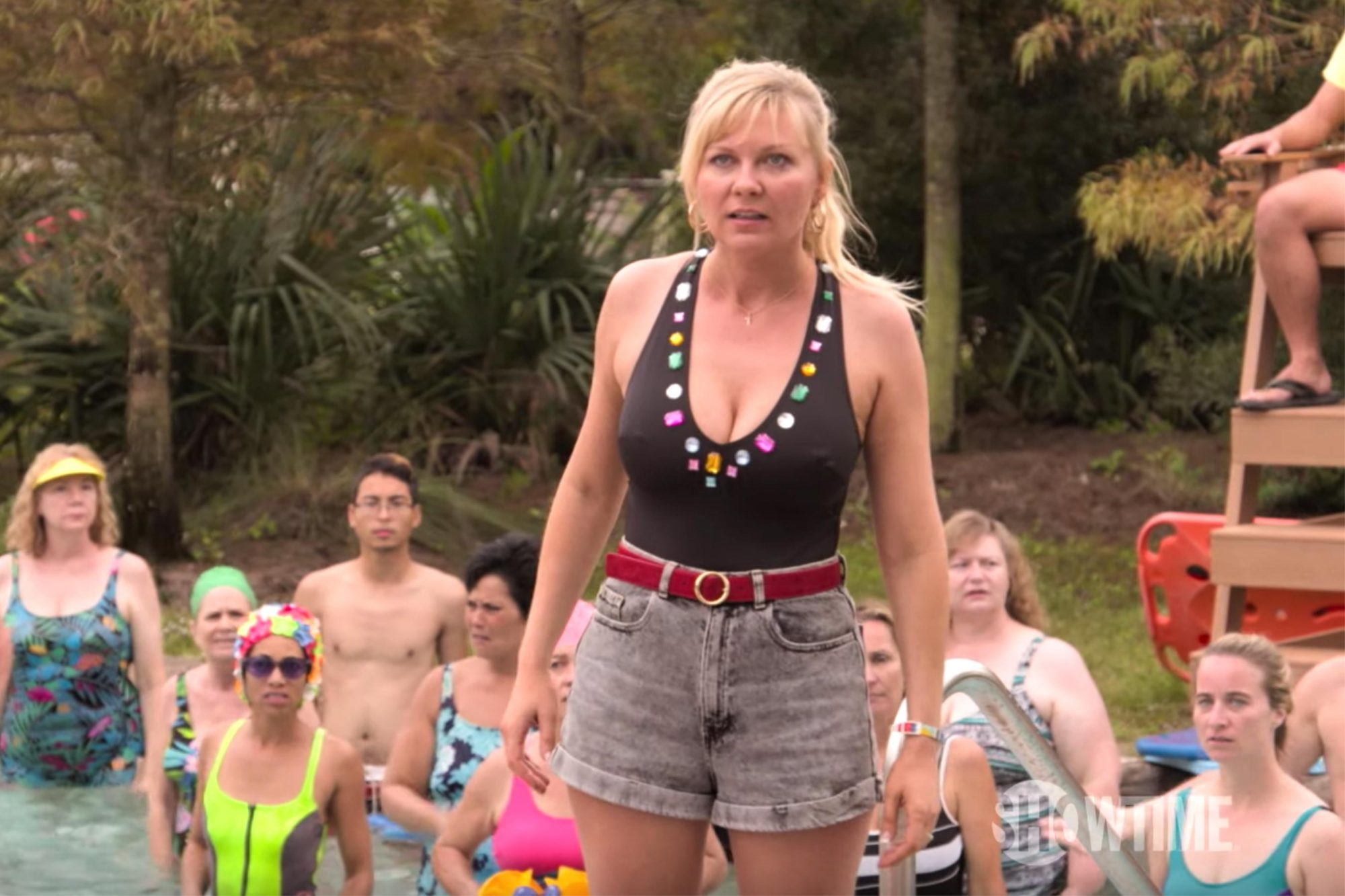 On Becoming a God In Central Florida (2019) Official Trailer | Kirsten Dunst SHOWTIME Series (screen grab) https://www.youtube.com/watch?v=rpxhCX47lZg CR: SHOWTIME