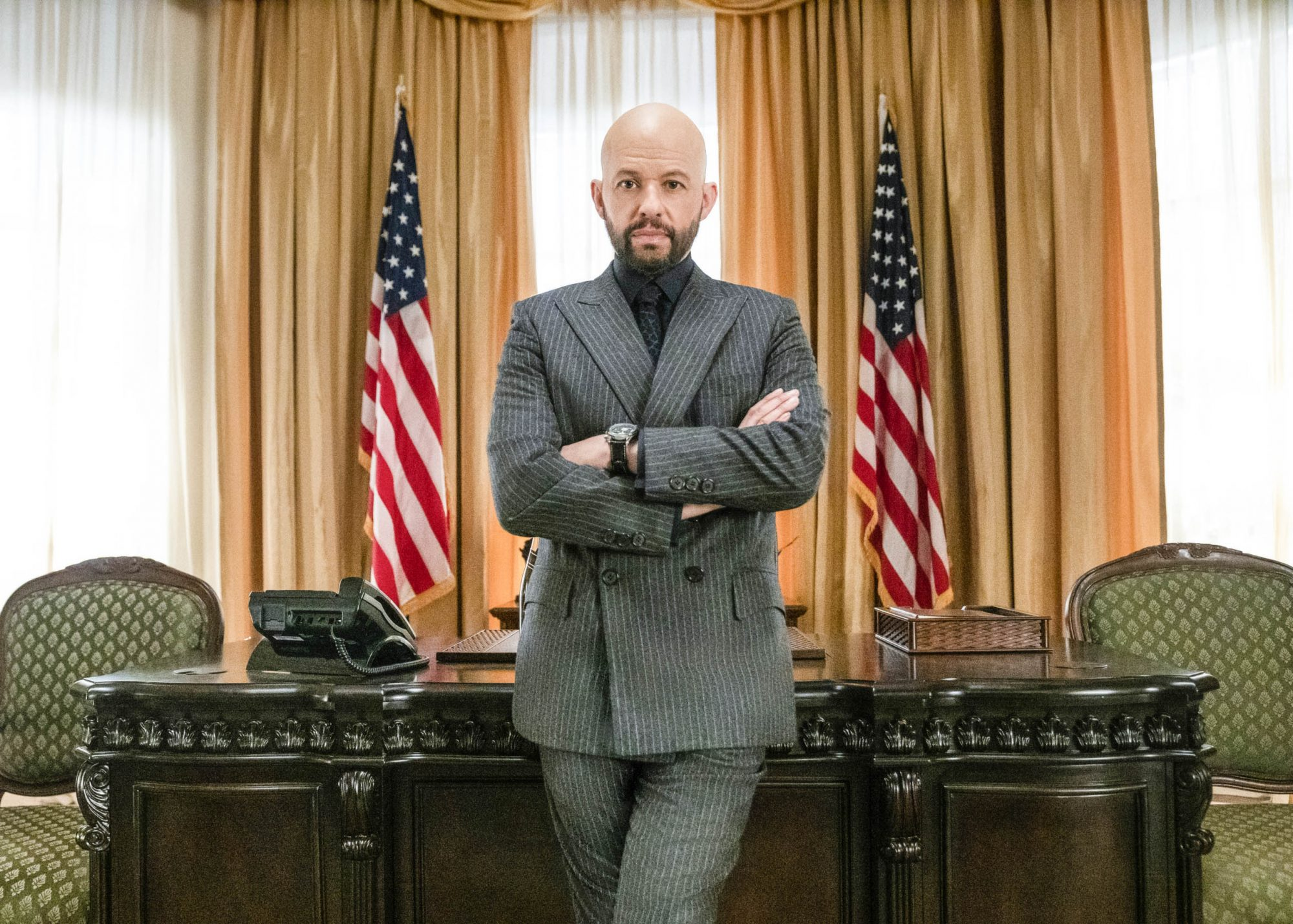 """Supergirl -- """"The Quest for Peace"""" -- Image Number: SPG422A_0546b.jpg -- Pictured: Jon Cryer as Lex Luthor -- Photo: Colin Bentley/The CW -- © 2019 The CW Network, LLC. All Rights Reserved."""