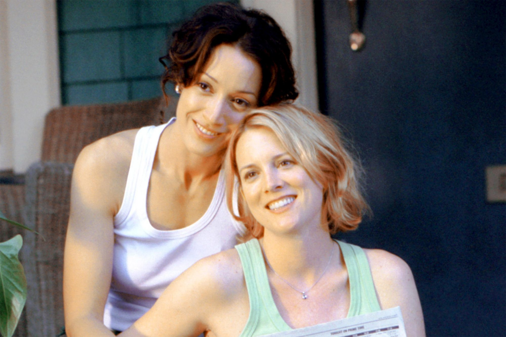 THE L WORD, Jennifer Beals, Laurel Holloman, (Season 1), 2004-09, © SHOWTIME / Courtesy: Everett Collection