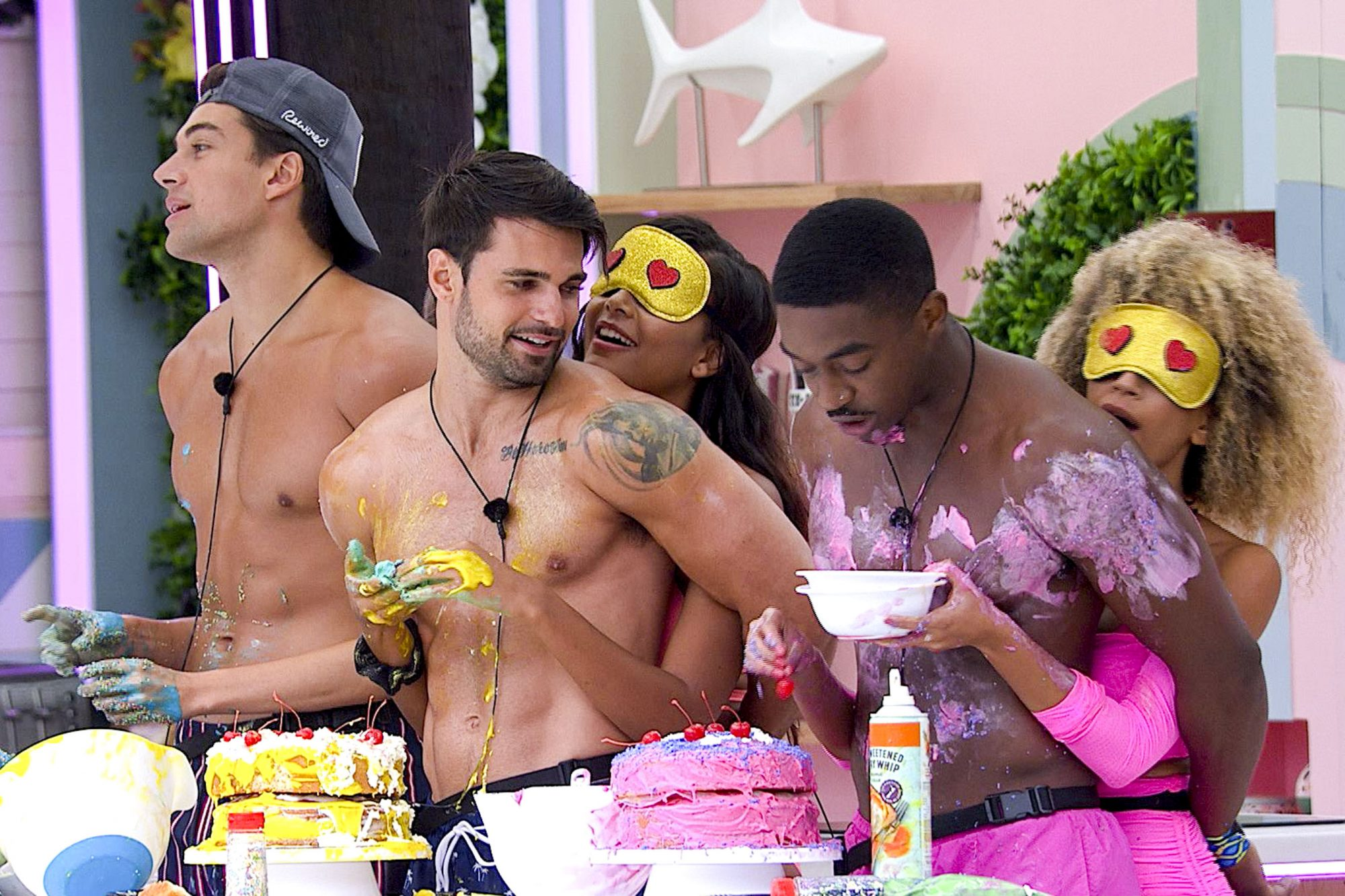 """Love Island - Pictured: Zac Mirabelli, Jered Youngblood, Kyra Green, Ray Gantt and Caroline """"Caro"""" Viehweg. The twentieth episode of Love Island airs tonight, Monday, August 5 (8:00-9:00 PM, ET/PT). New one-hour episodes continue every weeknight through Wednesday, August 7 (8:00-9:00 PM, ET/PT). Photo: Screen Grab/CBS Entertainment ©2019 CBS Broadcasting, Inc. All Rights Reserved."""