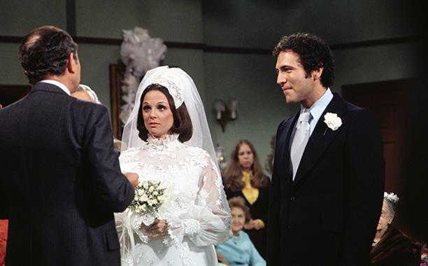 1974: Valerie Harper and David Groh in Rhoda